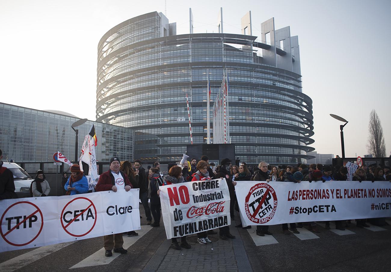 FACUA considera lamentable que el Parlamento Europeo haya dado luz verde al CETA