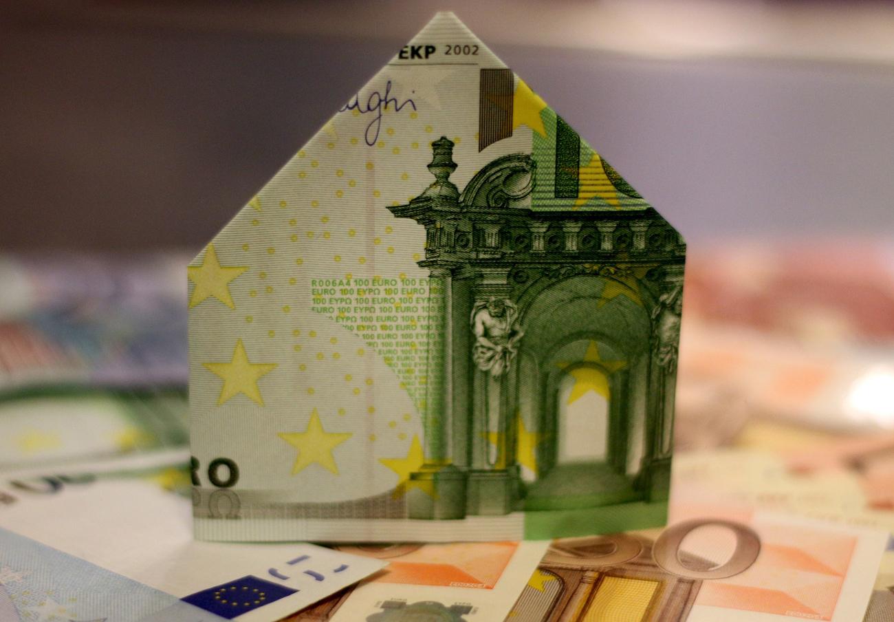 FACUA Málaga ofrece una charla sobre cláusulas suelo y gastos hipotecarios en la sede del Ateneo