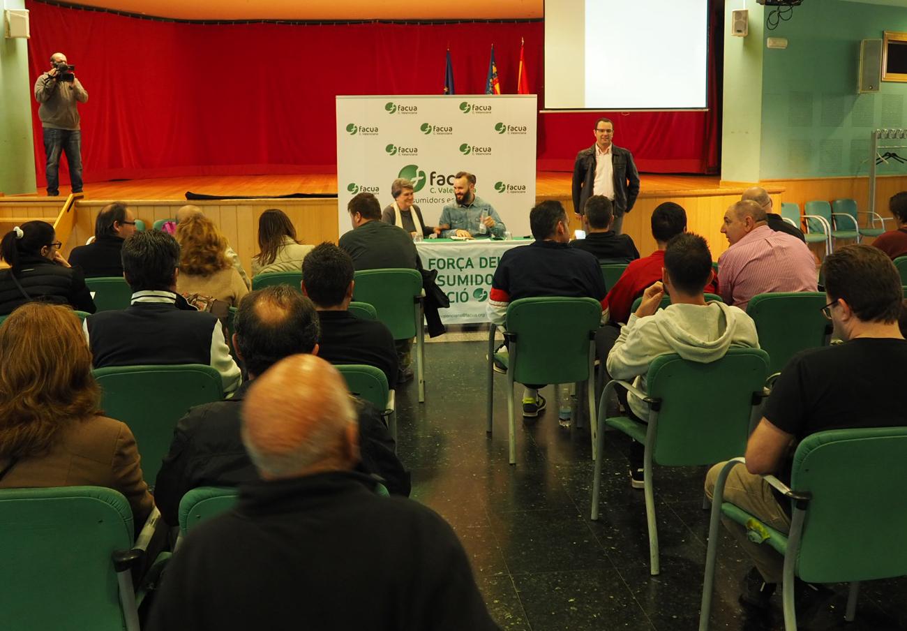 FACUA Comunidad Valenciana ofrece una charla sobre cláusulas suelo en La Pobla de Vallbona
