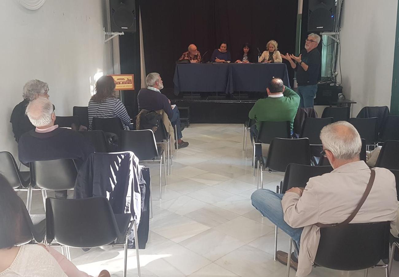 La marea blanca de Sevilla acuerda adscribirse a la coordinadora andaluza de las mareas