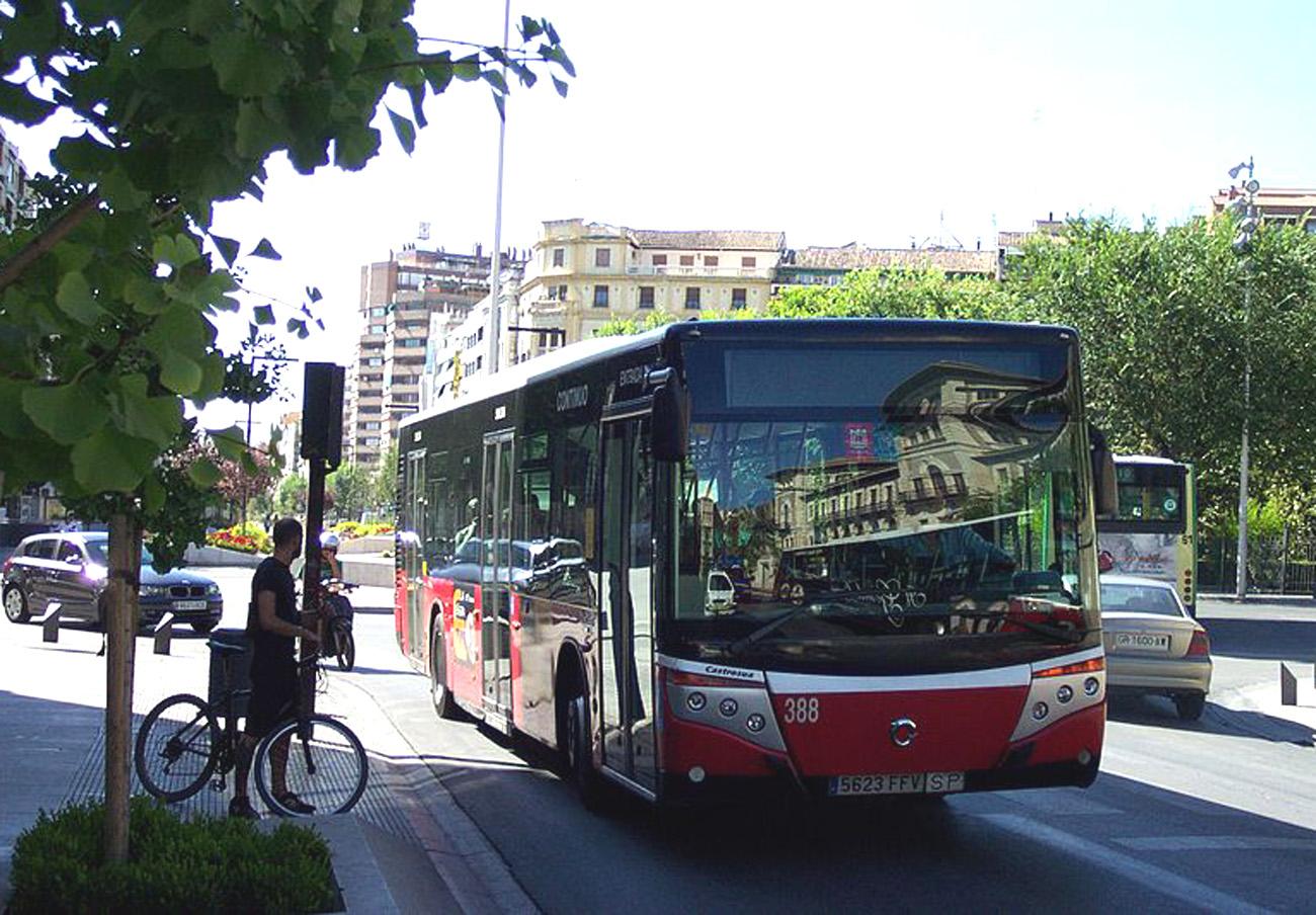 FACUA Granada rechaza la subida de tarifas del autobús urbano propuesta por el Ayuntamiento