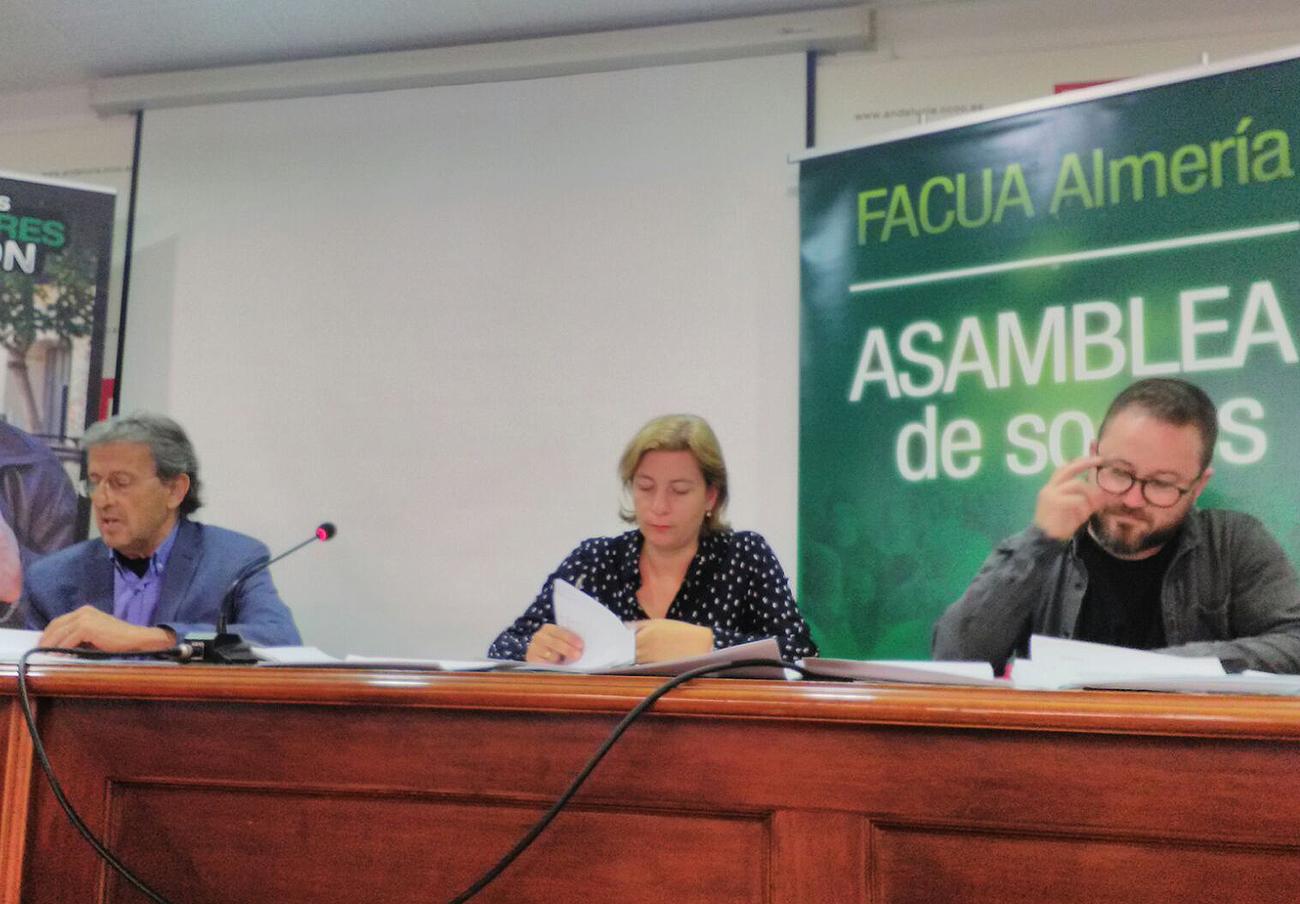 La Asamblea General de FACUA Almería elige de nuevo a Isabel Haro como presidenta de la asociación