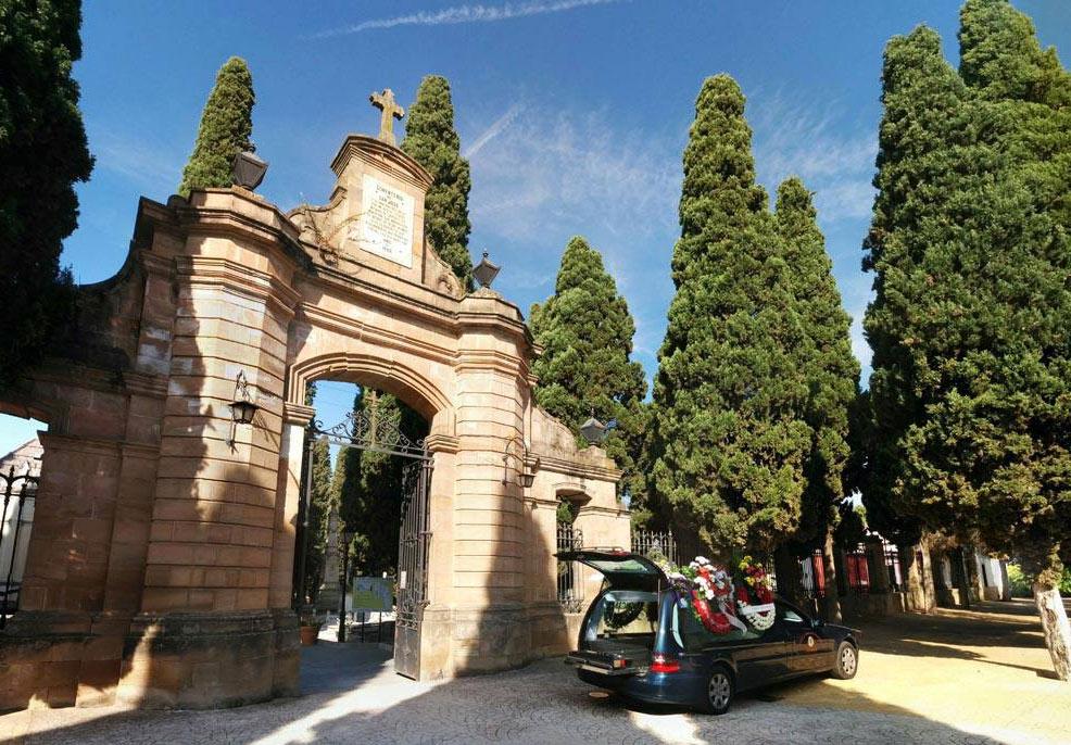 La Audiencia no ve injurias ni calumnias en las críticas de FACUA Jaén sobre el cementerio de Linares