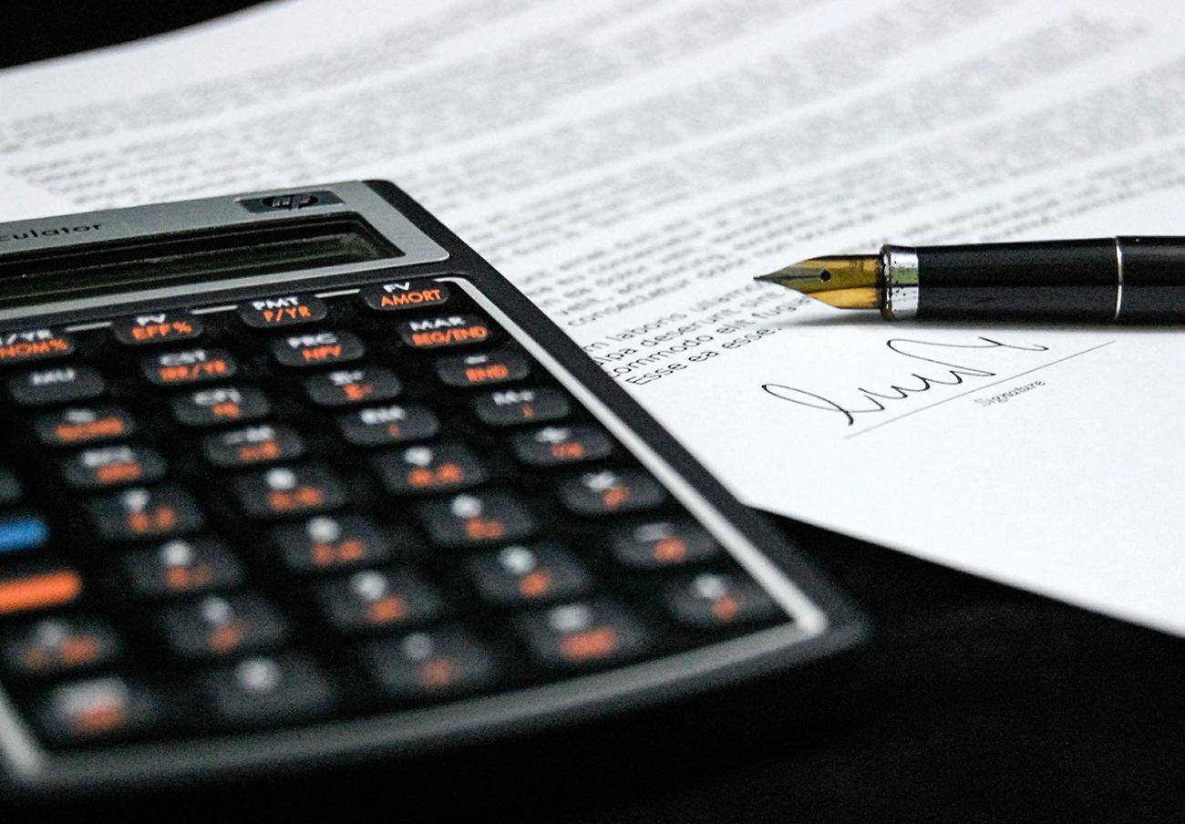 Tras la petición de FACUA, el Parlamento insta al Gobierno navarro a multar las cláusulas suelo