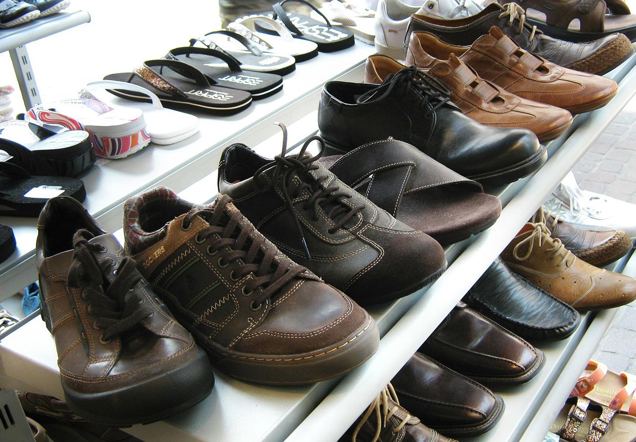 FACUA advierte de la orden de retirada de cuatro modelos de calzado por alto contenido de cromo VI