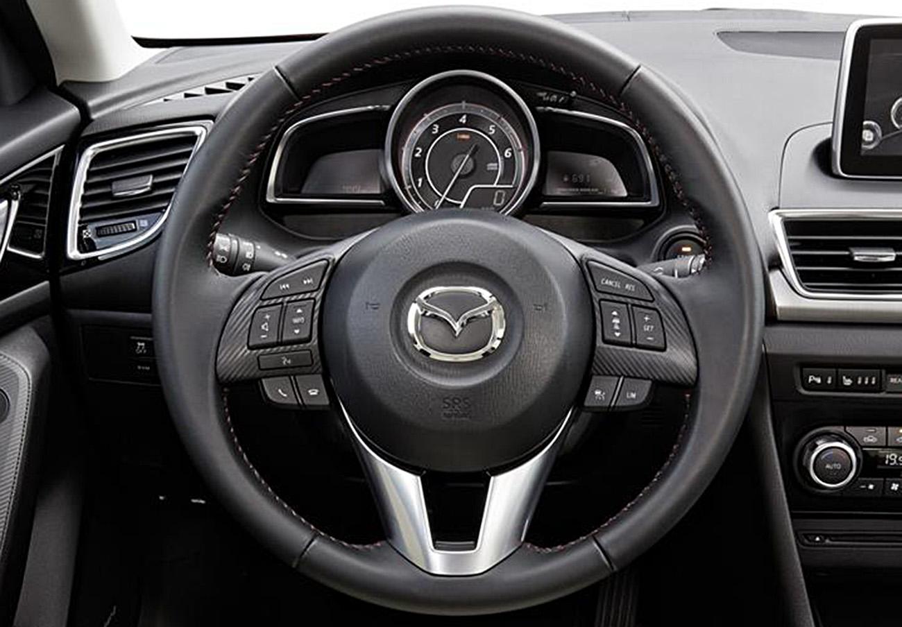 FACUA advierte de la llamada a revisión de varios modelos Mazda por un fallo en el portón trasero
