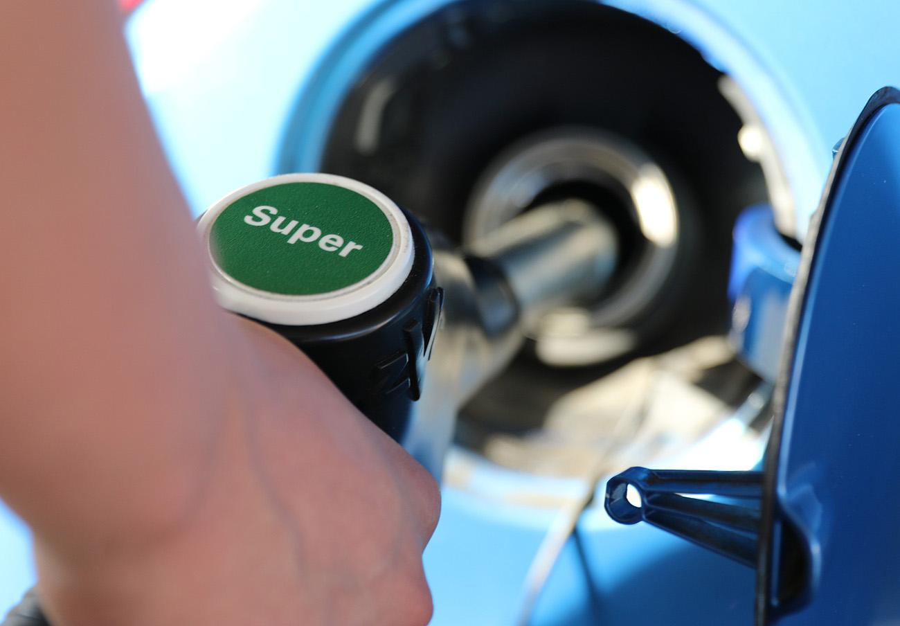 Los márgenes de la gasolina y el gasóleo subieron hasta un 4,8% en el mes de mayo