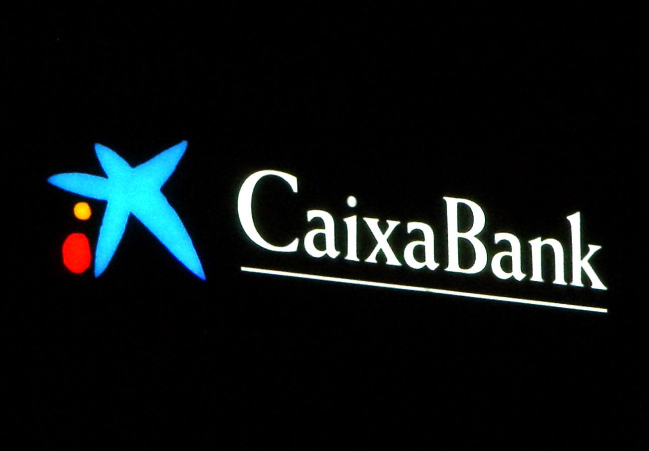 """Multa de 750.000 euros a Caixabank por el """"mal funcionamiento"""" de su servicio de atención al cliente"""