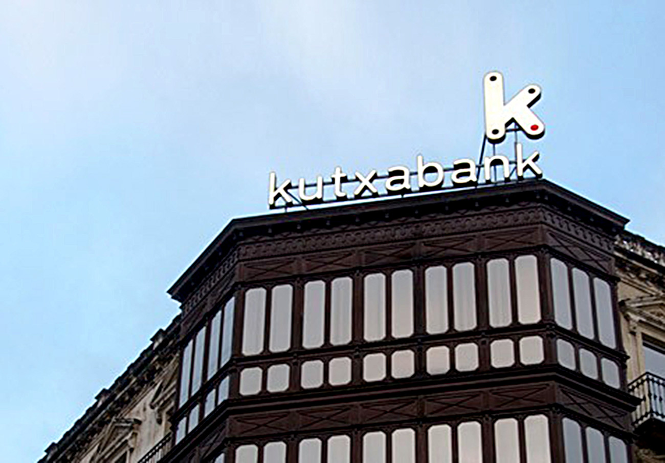 FACUA Euskadi pide a Kutxabank que garantice la atención en Zenauri todos los días de la semana