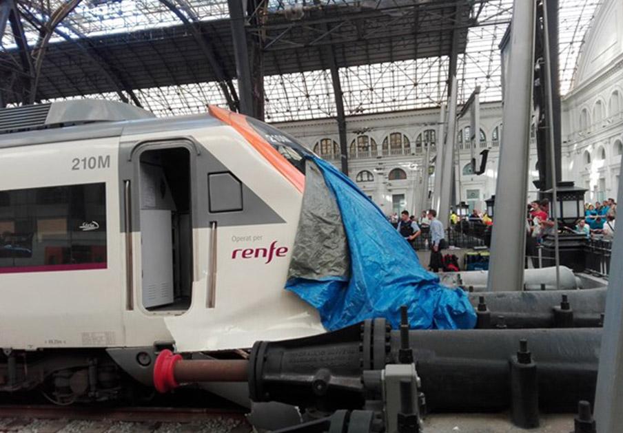 Un total de 54 heridos, uno grave, en el accidente de tren en la Estación de Francia en Barcelona