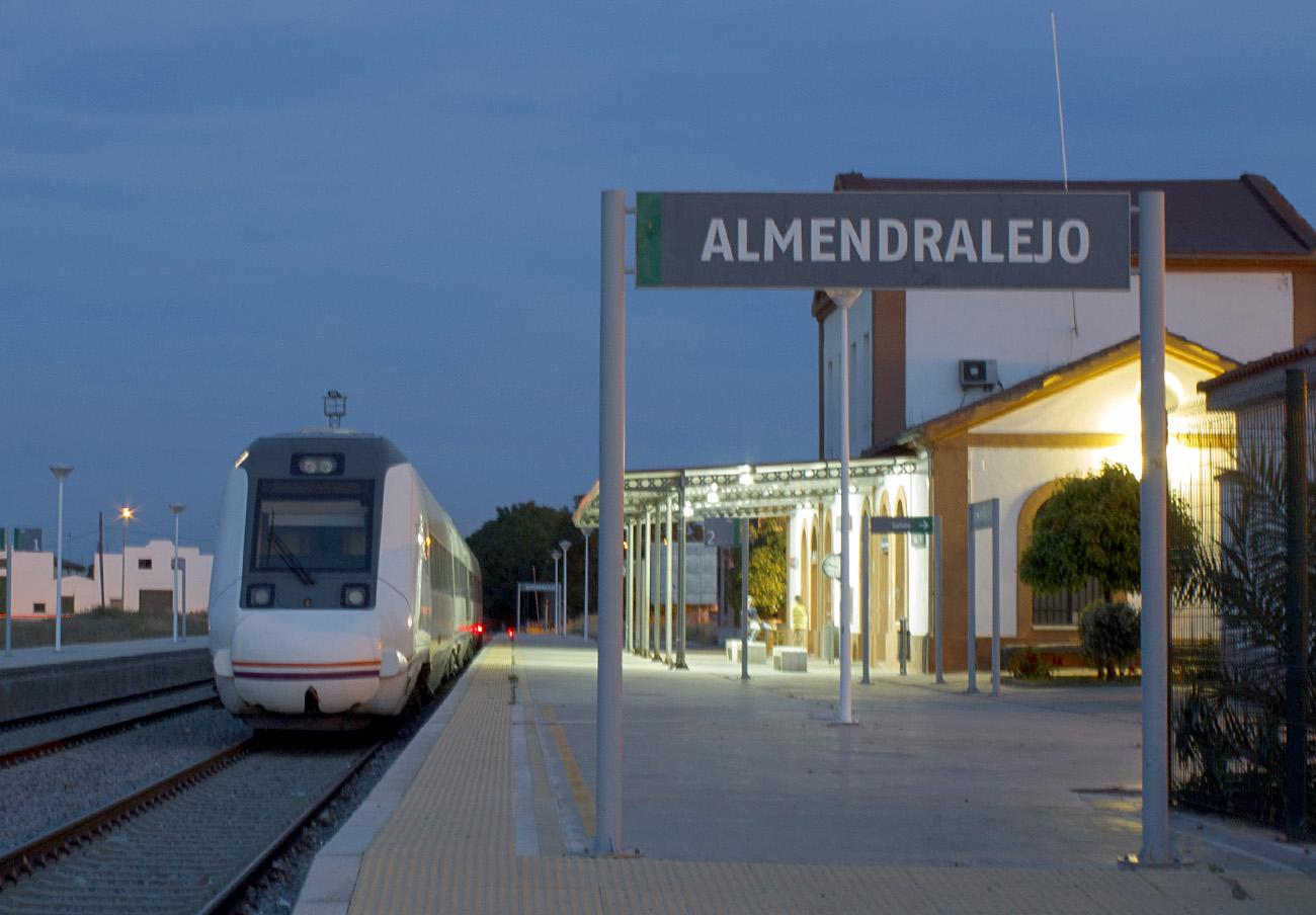 FACUA demanda actuaciones urgentes para sacar a Extremadura del vagón de cola de los trenes españoles