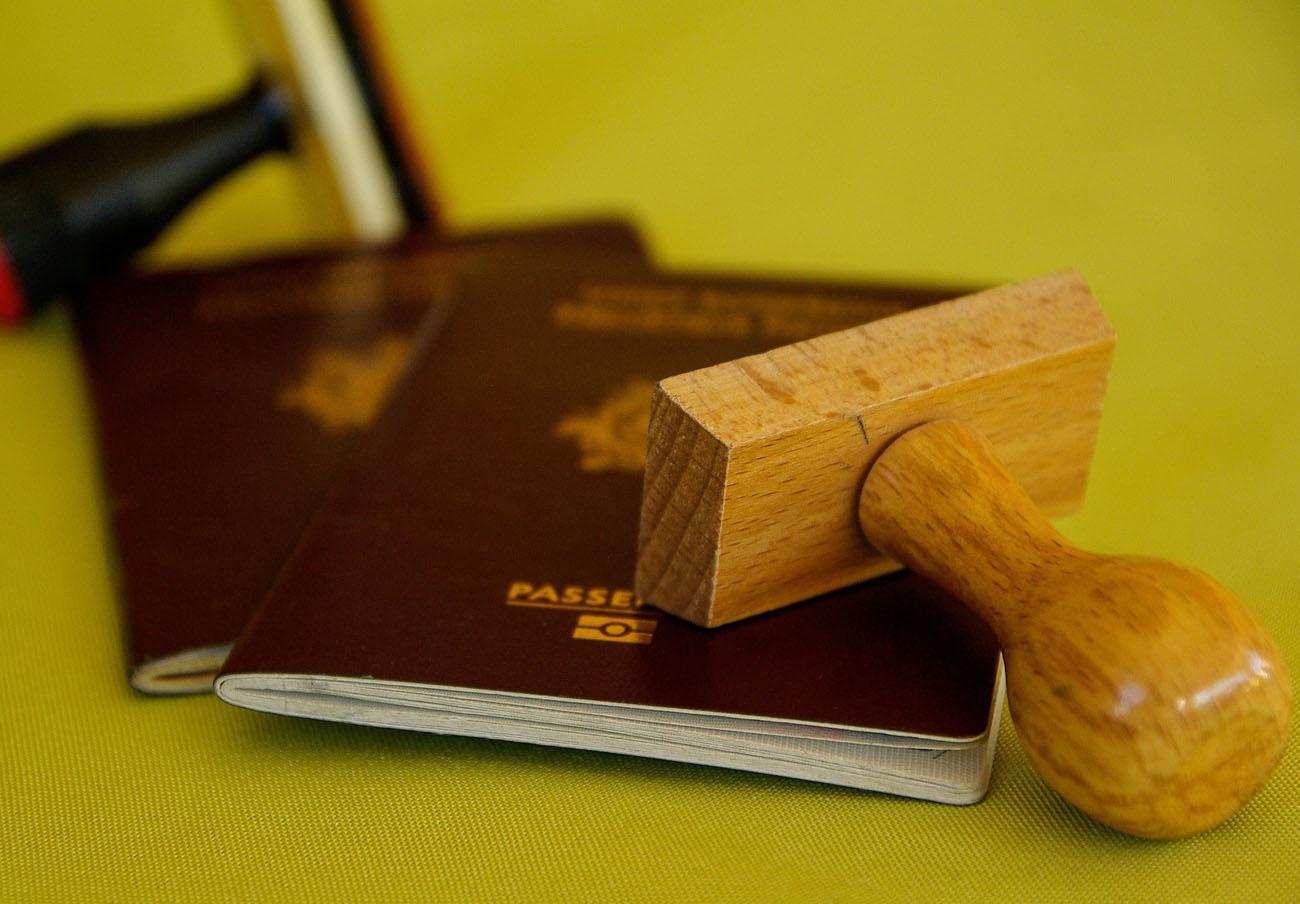 El Defensor del Pueblo también reclama que se refuercen las oficinas para obtener DNI y Pasaporte