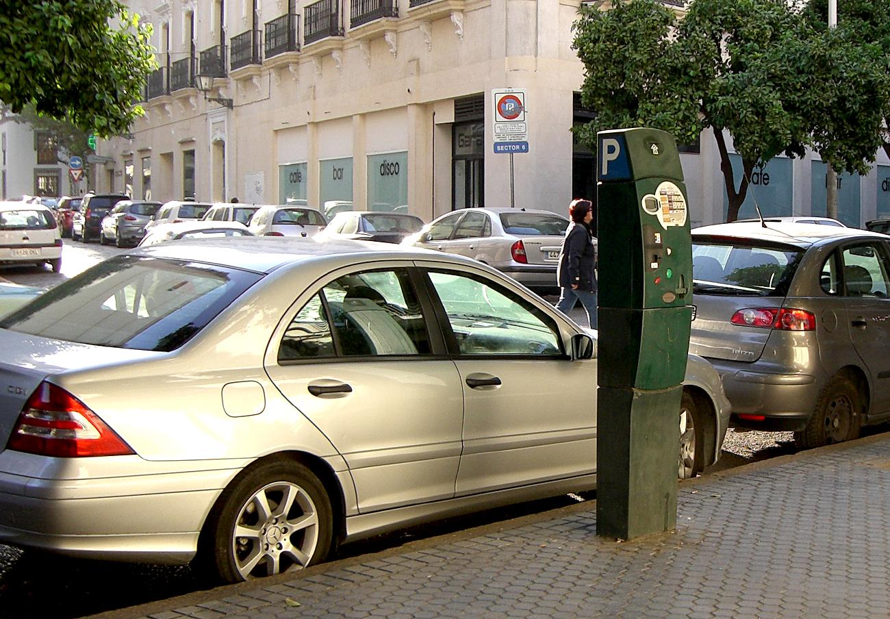FACUA Sevilla denuncia el abandono del órgano municipal encargado de las reclamaciones de los ciudadanos