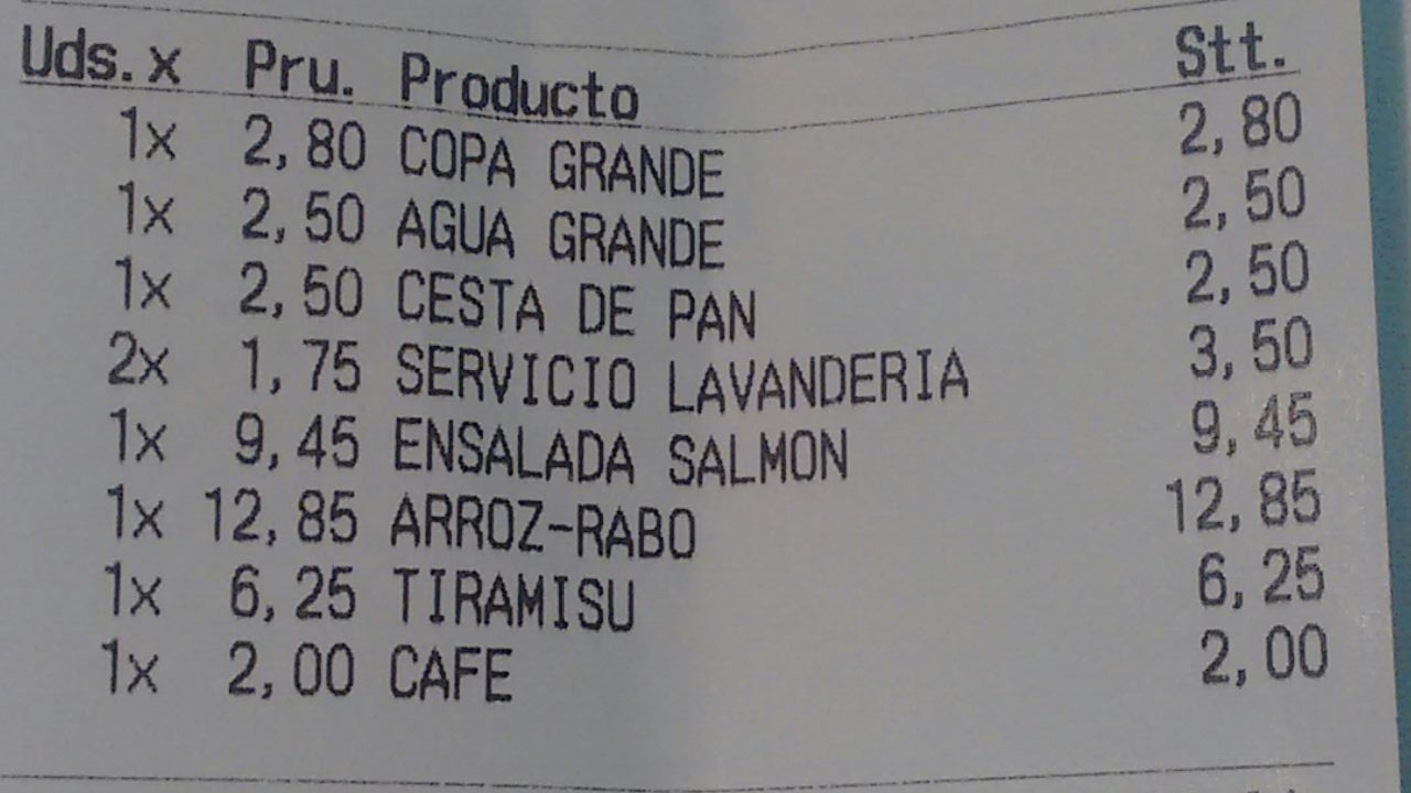 ticket a clientes en un restaurante de España