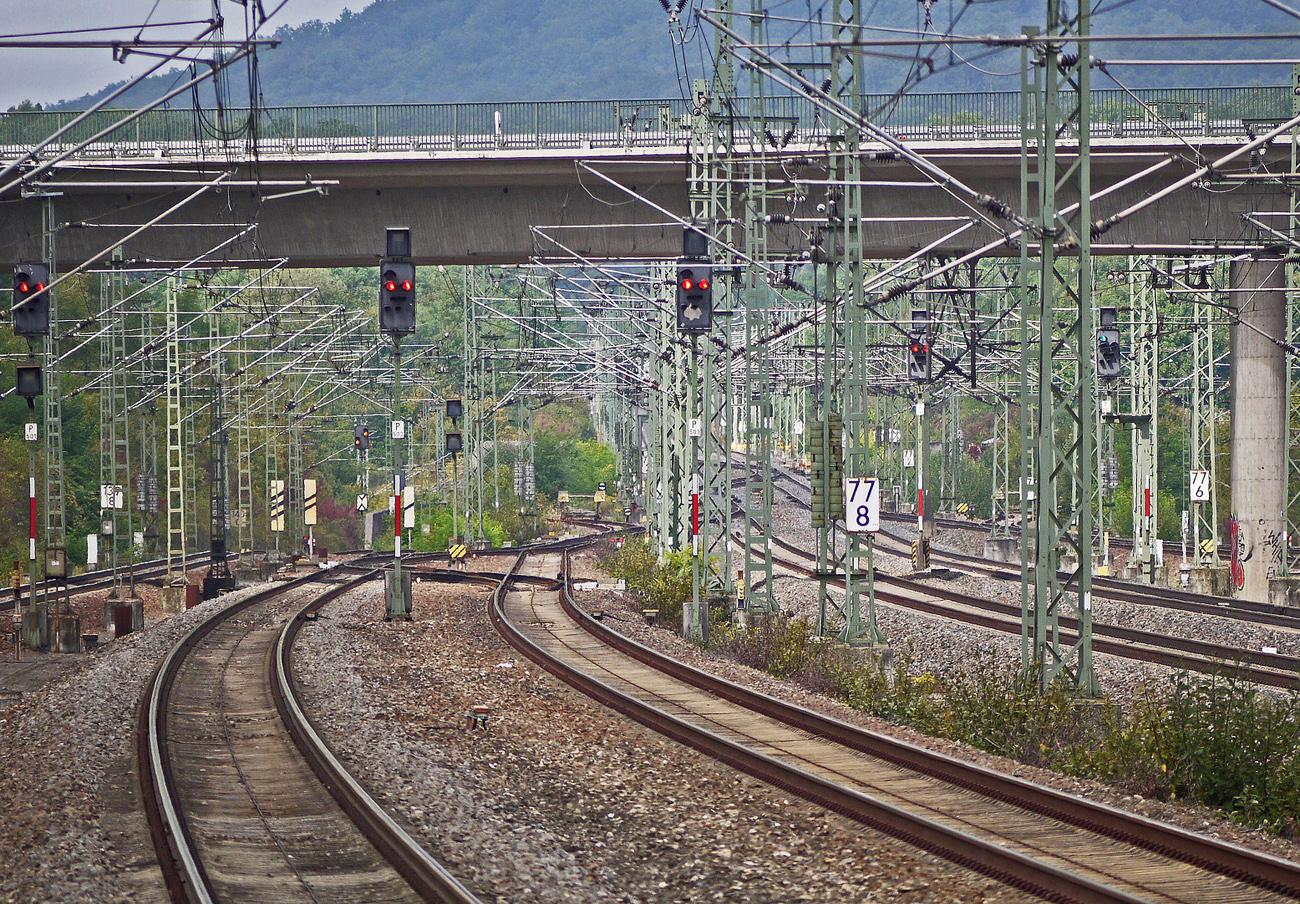 La Plataforma del tren en Valladolid reclama la apertura de un corredor con Palencia y Medina del Campo