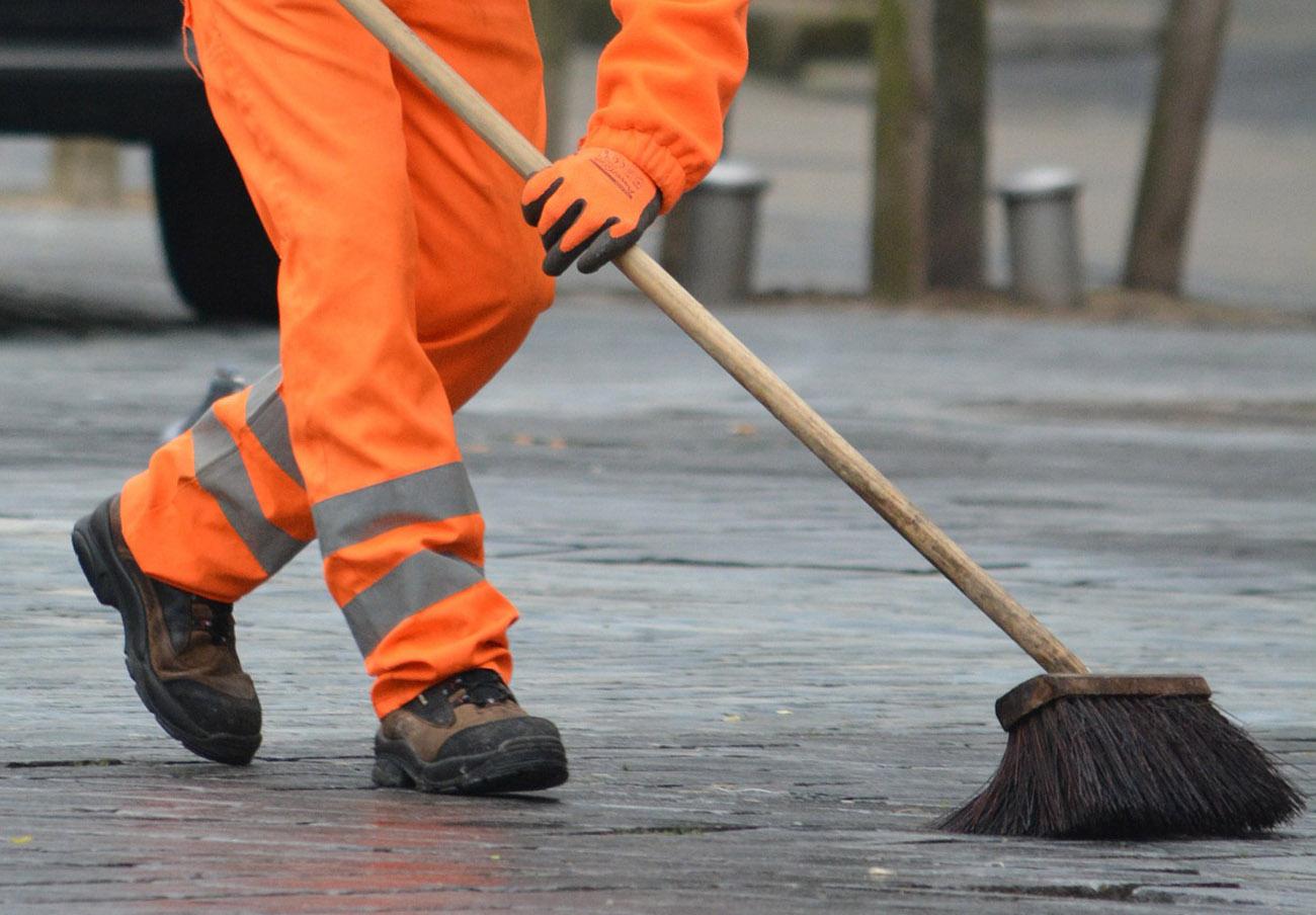 FACUA Madrid valora la decisión de la capital de reforzar el servicio de limpieza en las vías urbanas