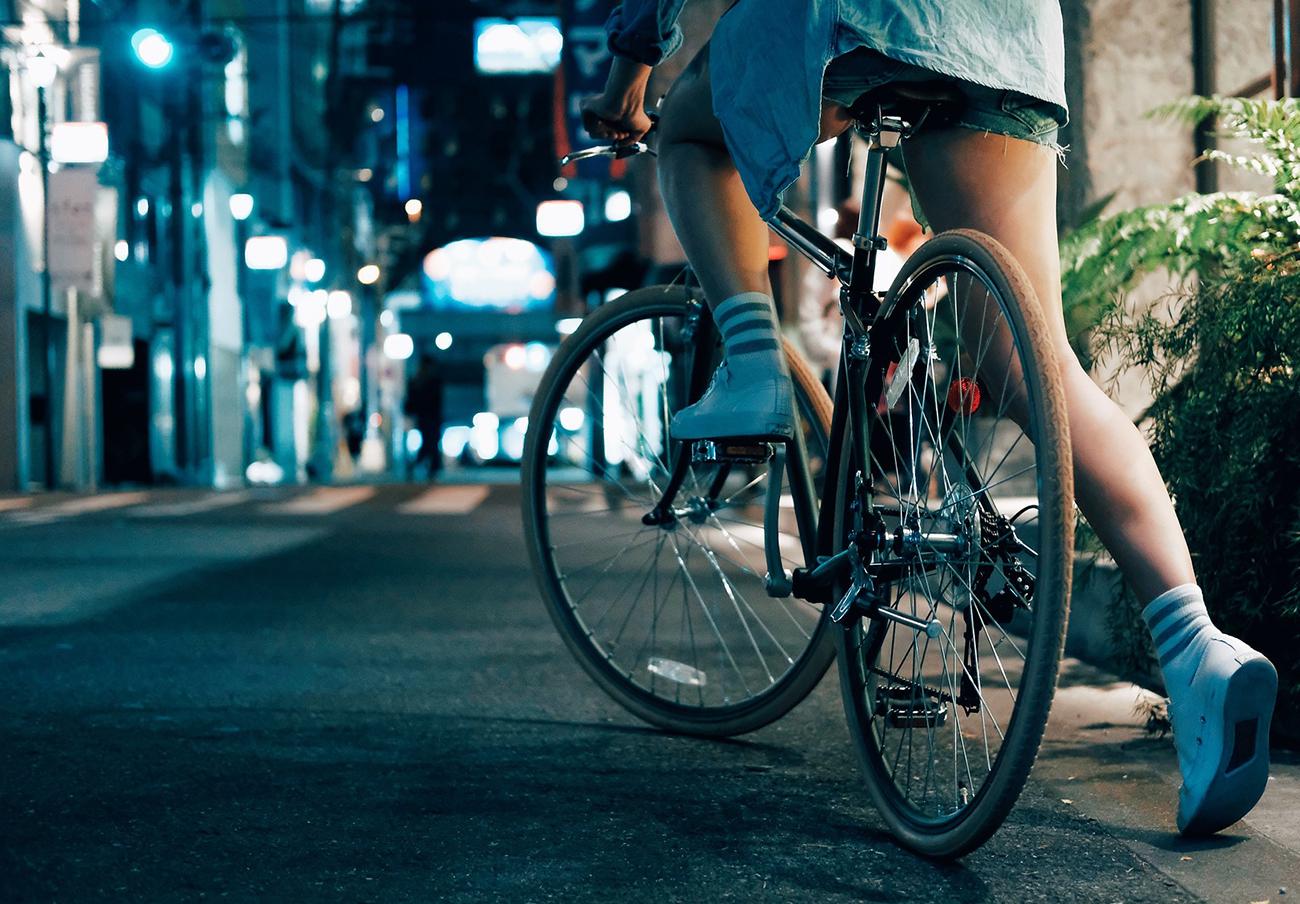 FACUA reclama a Pamplona espacios para que los ciclistas crucen las calles sin usar los pasos de cebra