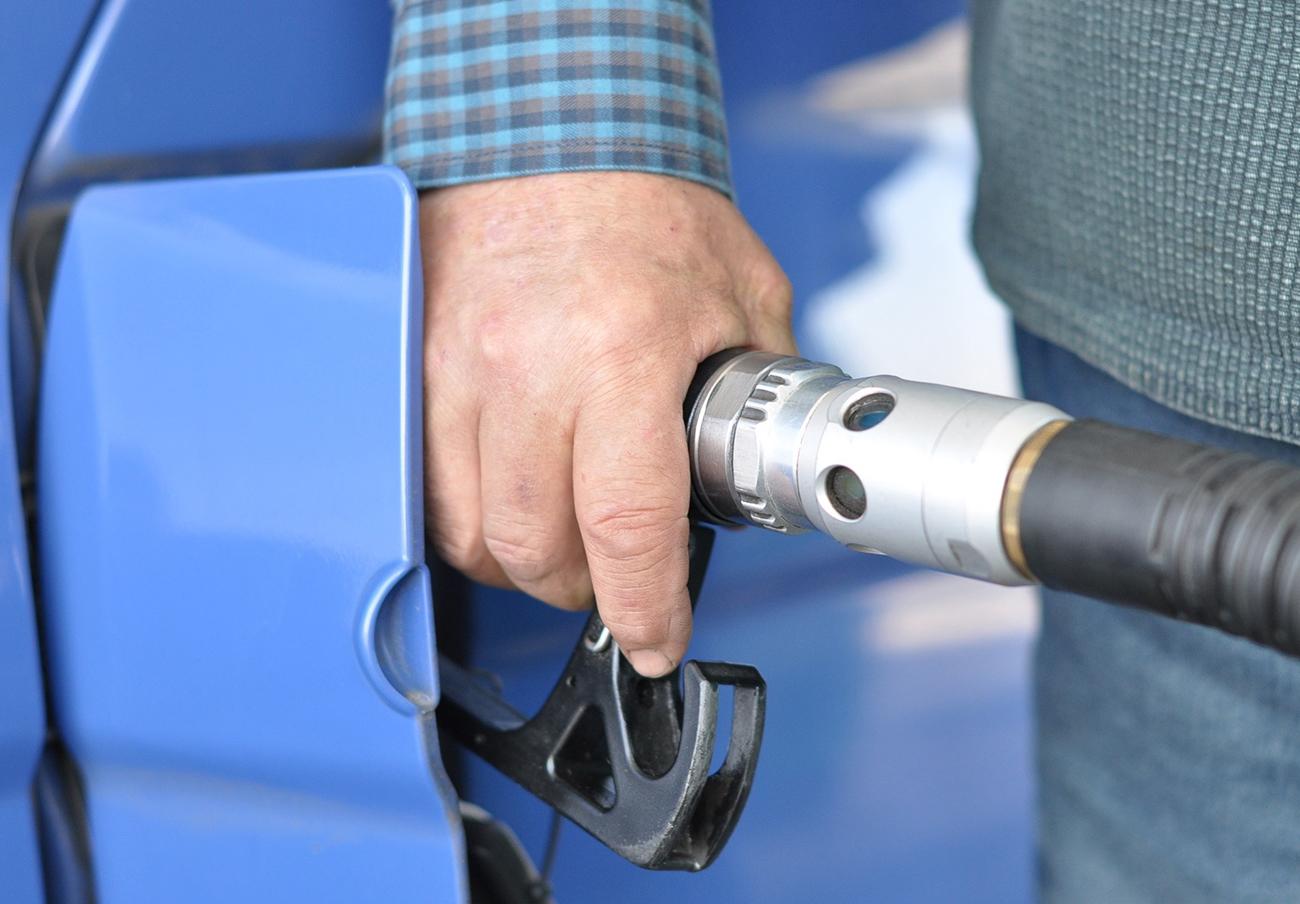 El Gobierno intenta tumbar en el TC la prohibición de las gasolineras desatendidas en Extremadura
