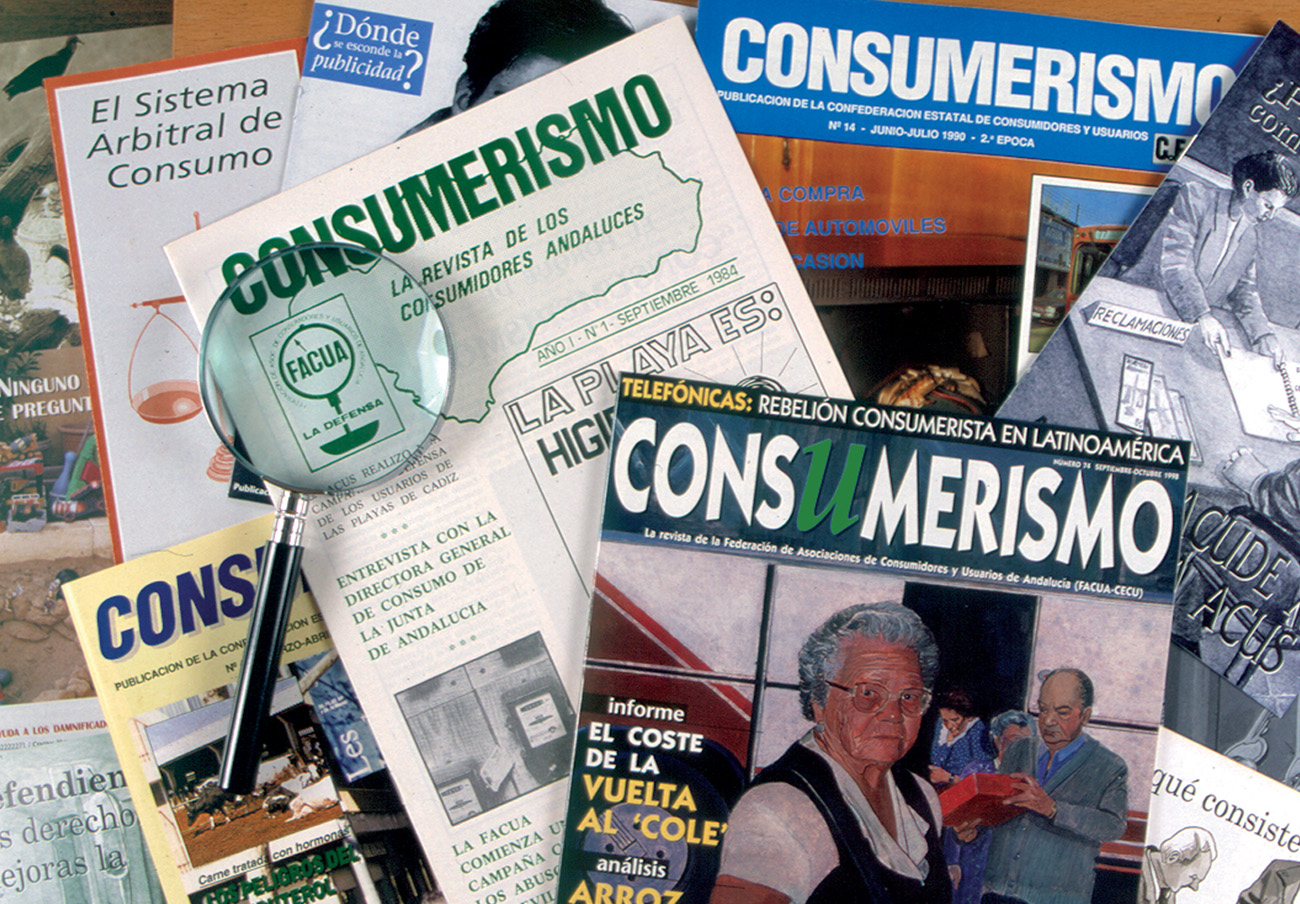 Diversos ejemplares de la revista Consumerismo.