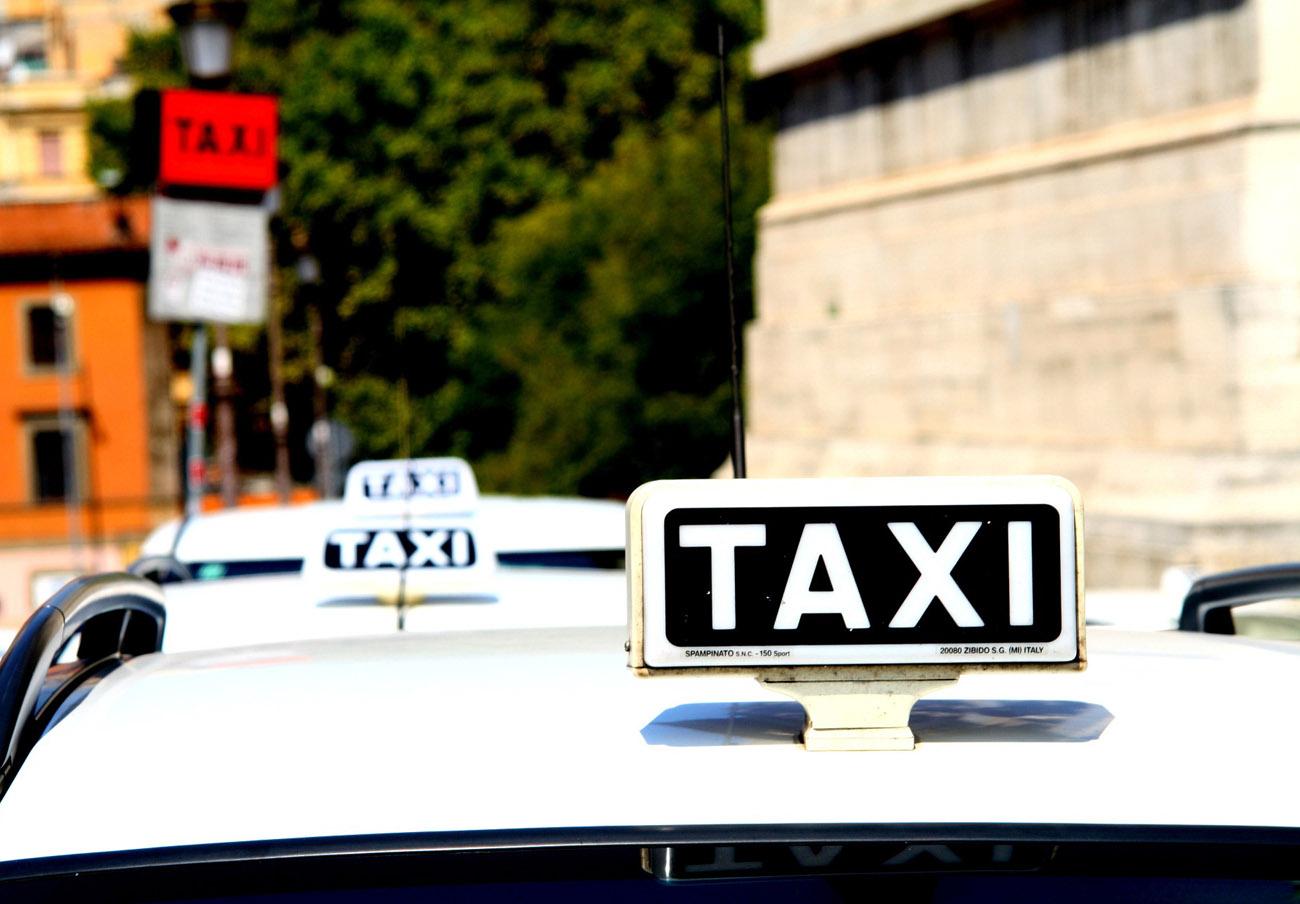 FACUA Córdoba presenta alegaciones a las tarifas del taxi en la capital para 2018