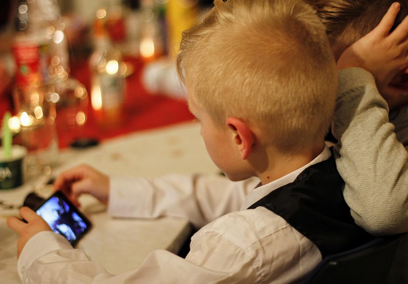 El 89% de los niños de 10 años accede a internet y la cuarta parte usa teléfono móvil