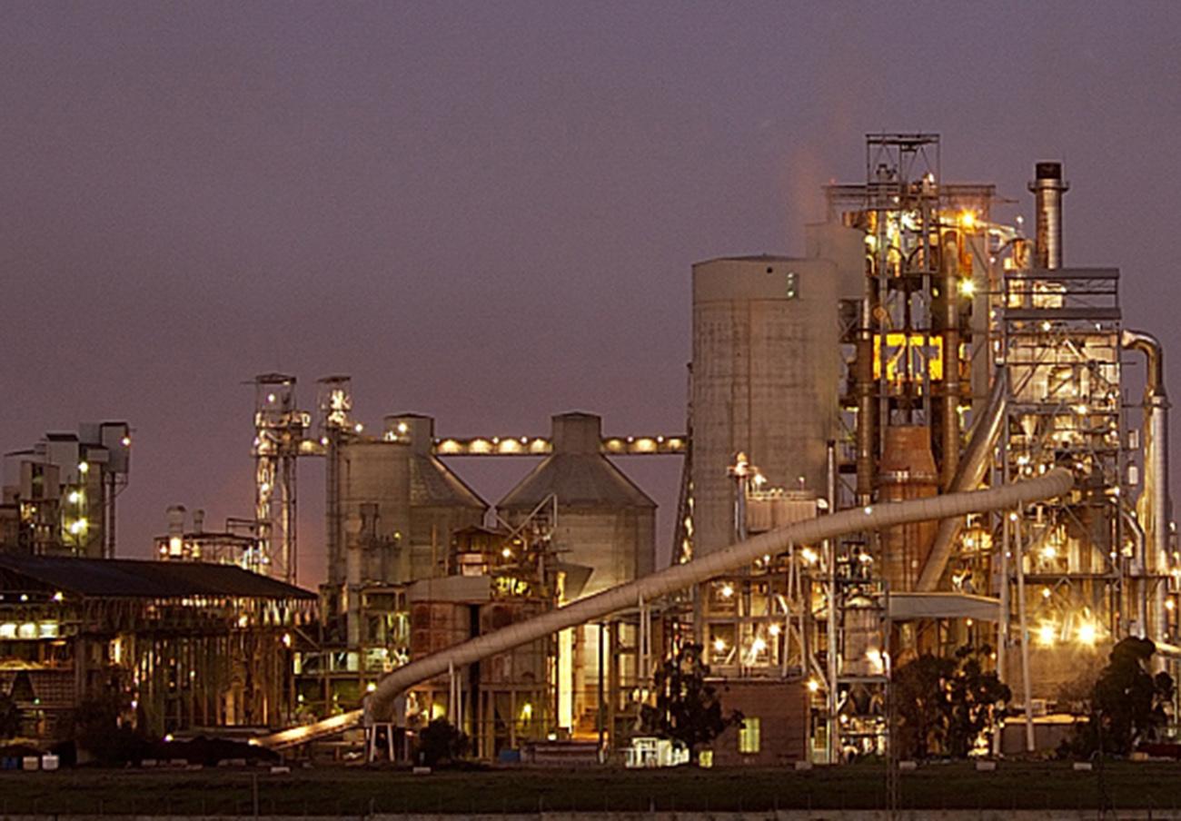 El TSJA prohíbe a Portland incinerar residuos para usarlo como combustible en su cementera de Alcalá