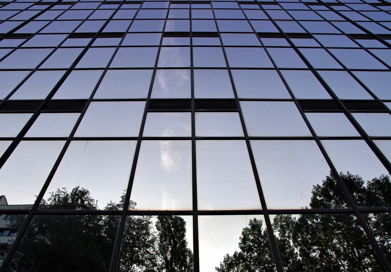 FACUA Málaga muestra su rechazo a la construcción de un gran hotel en terrenos públicos del puerto