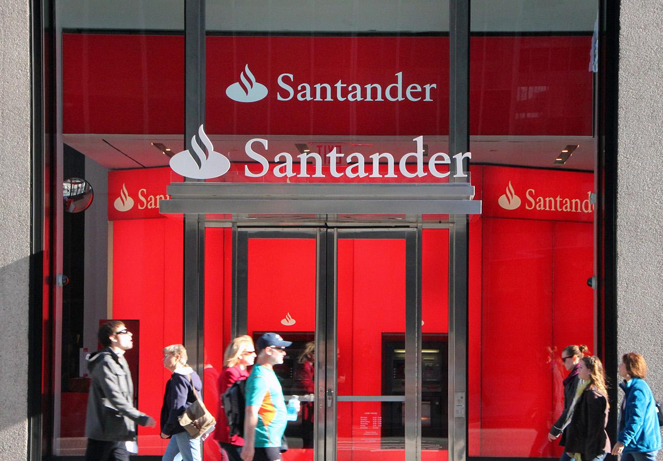 FACUA denuncia que el Santander ofrece cambiar a afectados del Popular sus acciones por bonos incobrables