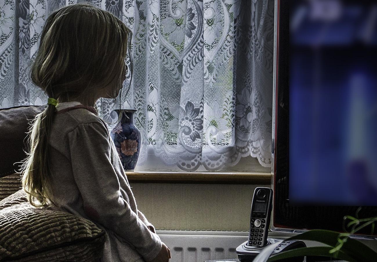 Un juez confirma una multa de 155.000 euros a Canal Sur por publicitar alcohol en horario infantil
