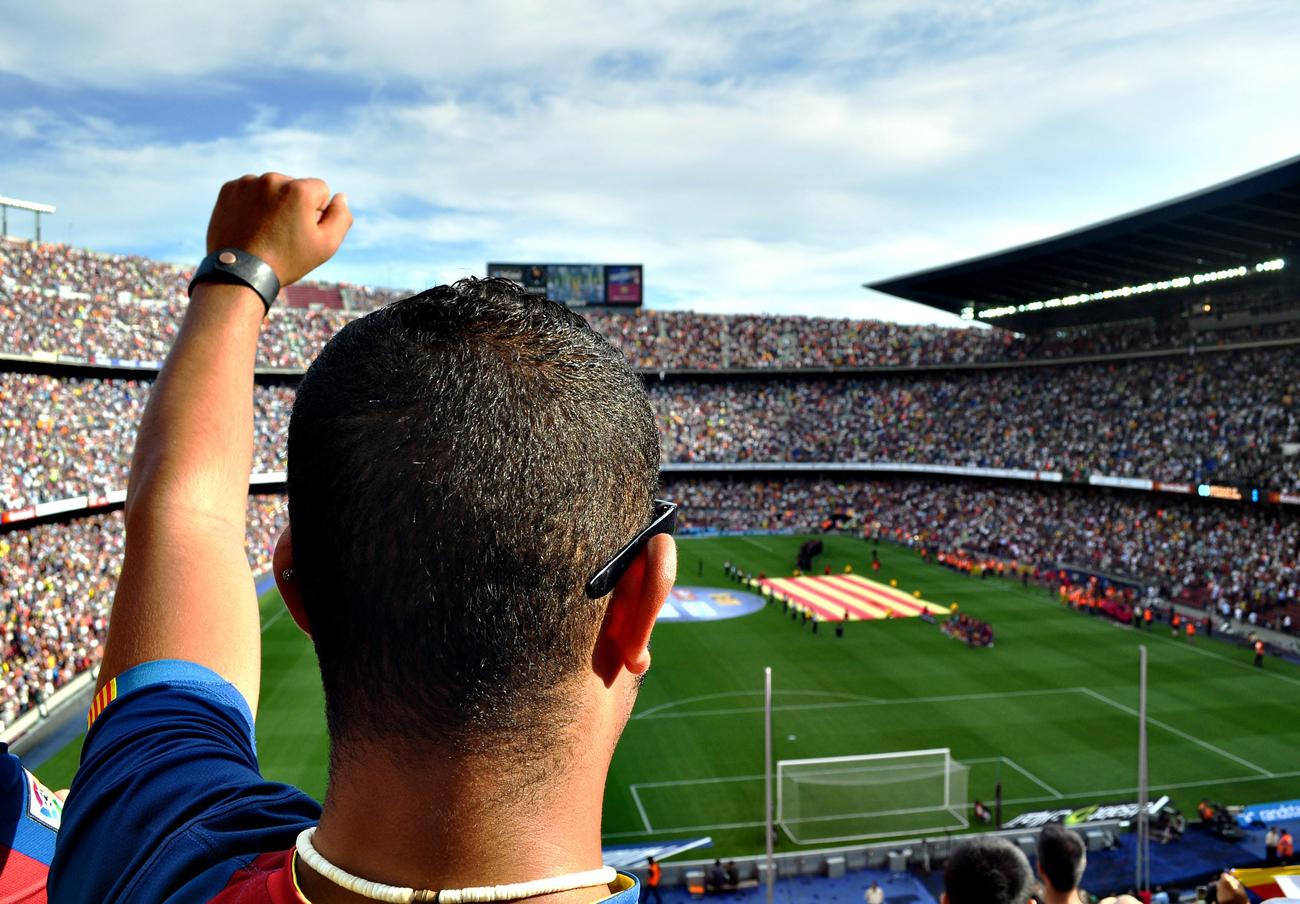 Real Madrid, Barça, Atlético... FACUA denuncia a diez clubes de fútbol de Primera por sus teléfonos 902