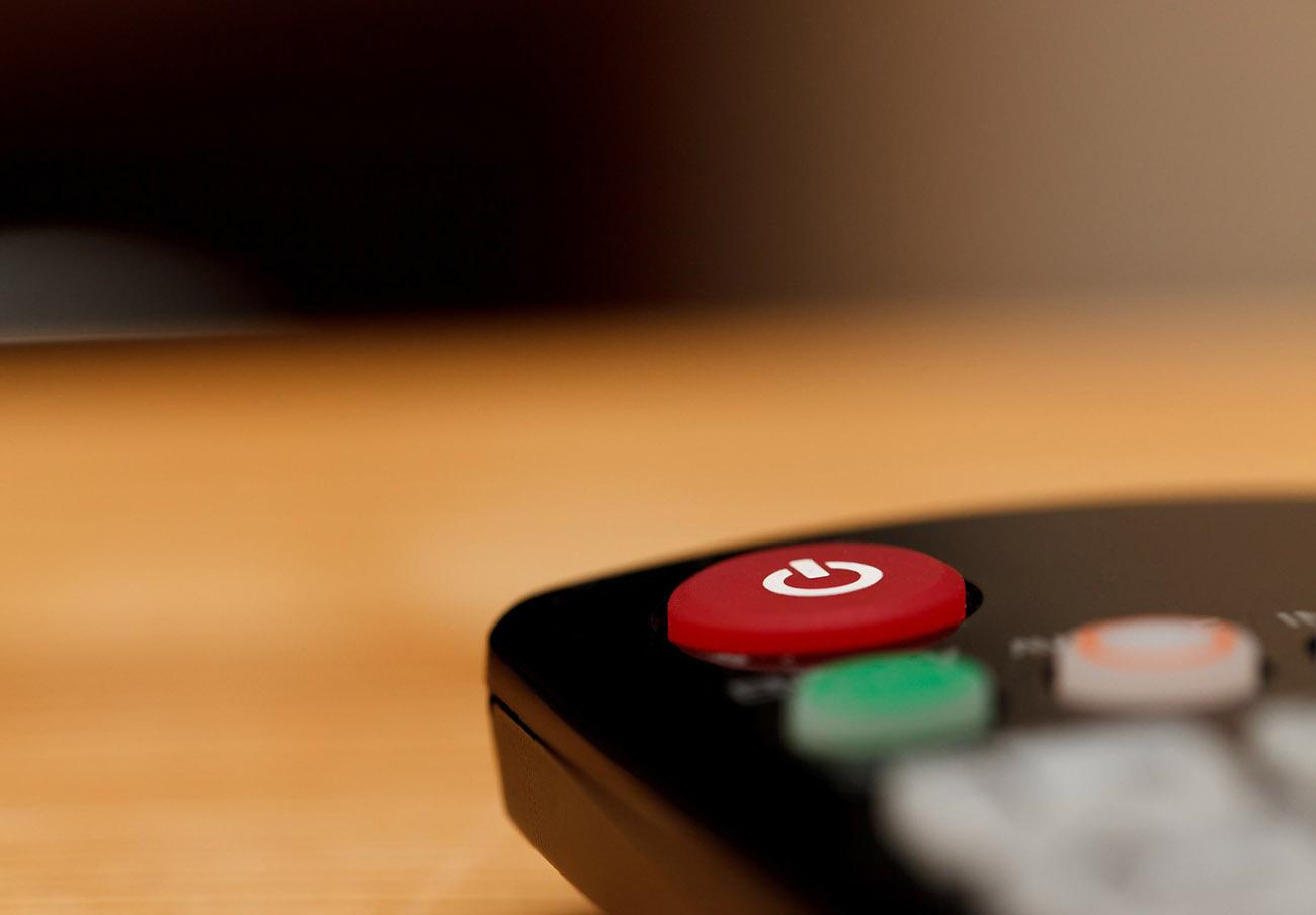 FACUA pide explicaciones al presidente de RTVE al no emitir películas históricas que costaron 18 millones