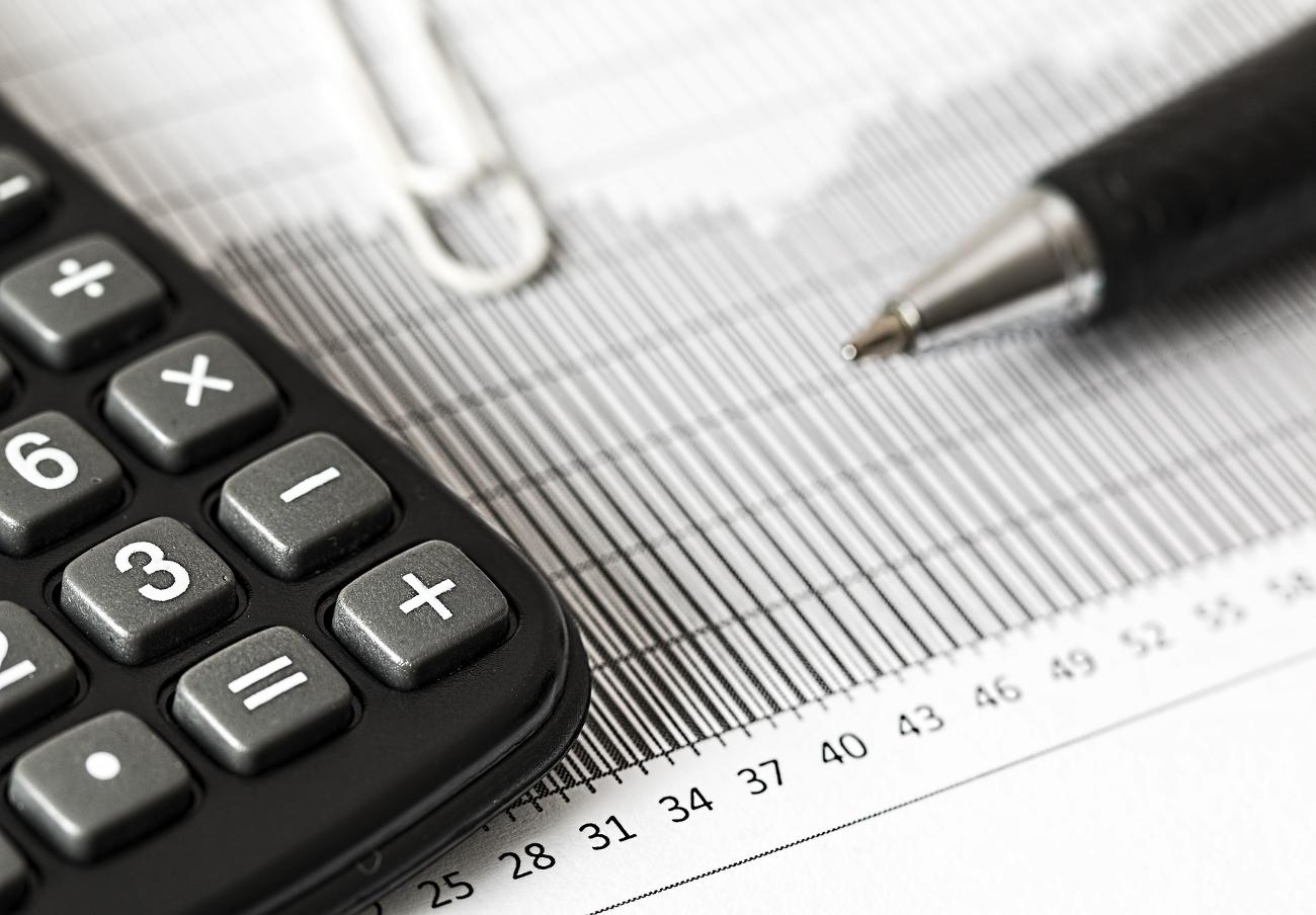 La CNMV advierte de cinco sociedades no autorizadas para prestar servicios de inversión