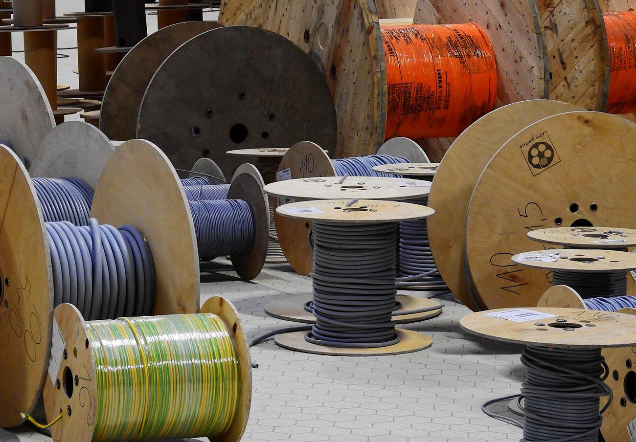 La CNMC desmantela cinco cárteles del sector de cables eléctricos e impone multas por 44,7 millones