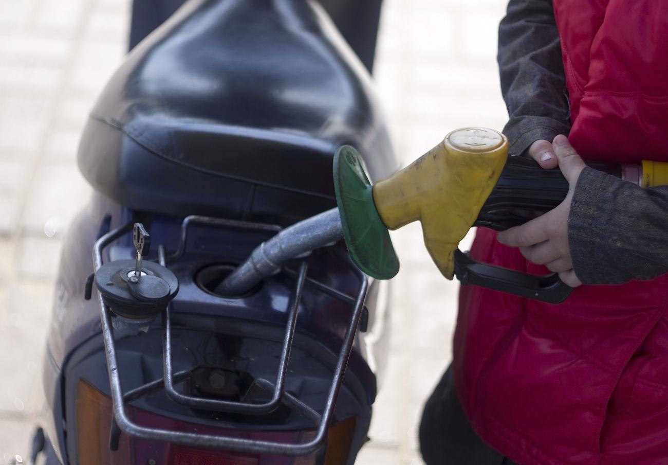 El precio de la gasolina y el gasóleo, hasta un 6% más caro que en el pasado Puente de la Constitución