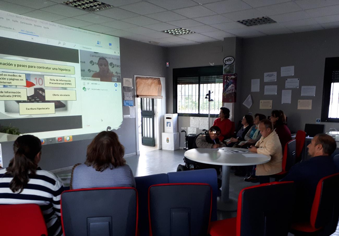 FACUA Sevilla ofrece quince charlas sobre los abusos de la banca a jóvenes y adultos de la provincia
