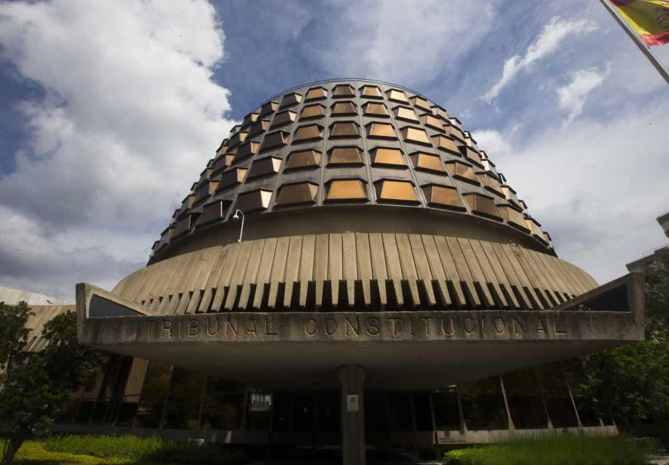 El TC declara inconstitucional la expropiación de pisos vacíos a bancos de la ley 'antidesahucios' andaluza