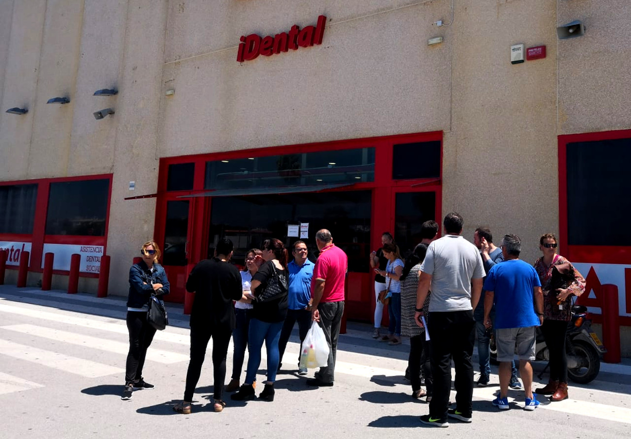 FACUA Cádiz convoca una asamblea informativa para los afectados por el cierre de iDental en El Puerto