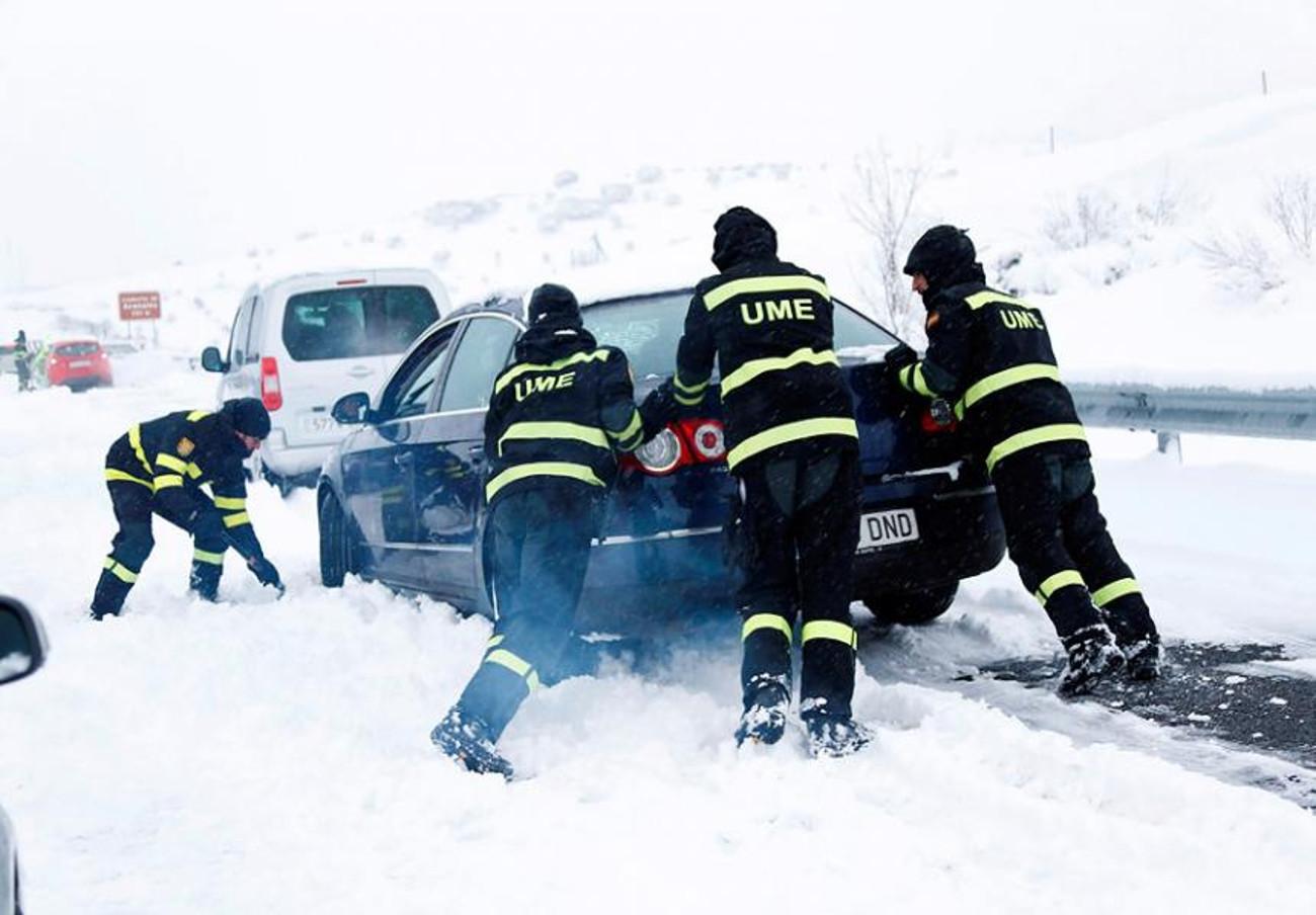 La Fiscalía de Madrid investigará las responsabilidades civiles por las retenciones en el caos de la AP-6