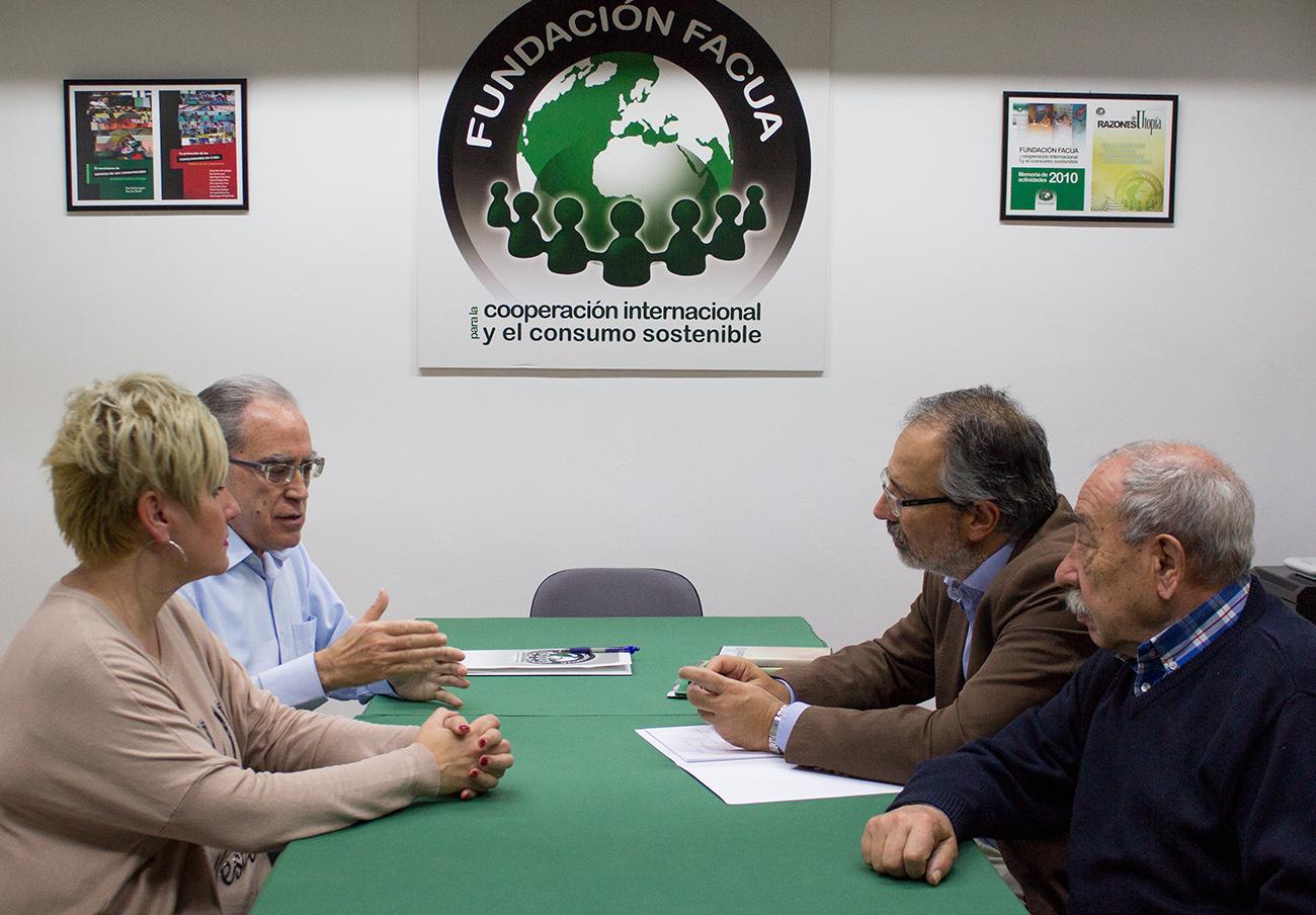 La Fundación FACUA se reúne con el vicerrector de la Universidad Internacional de Andalucía
