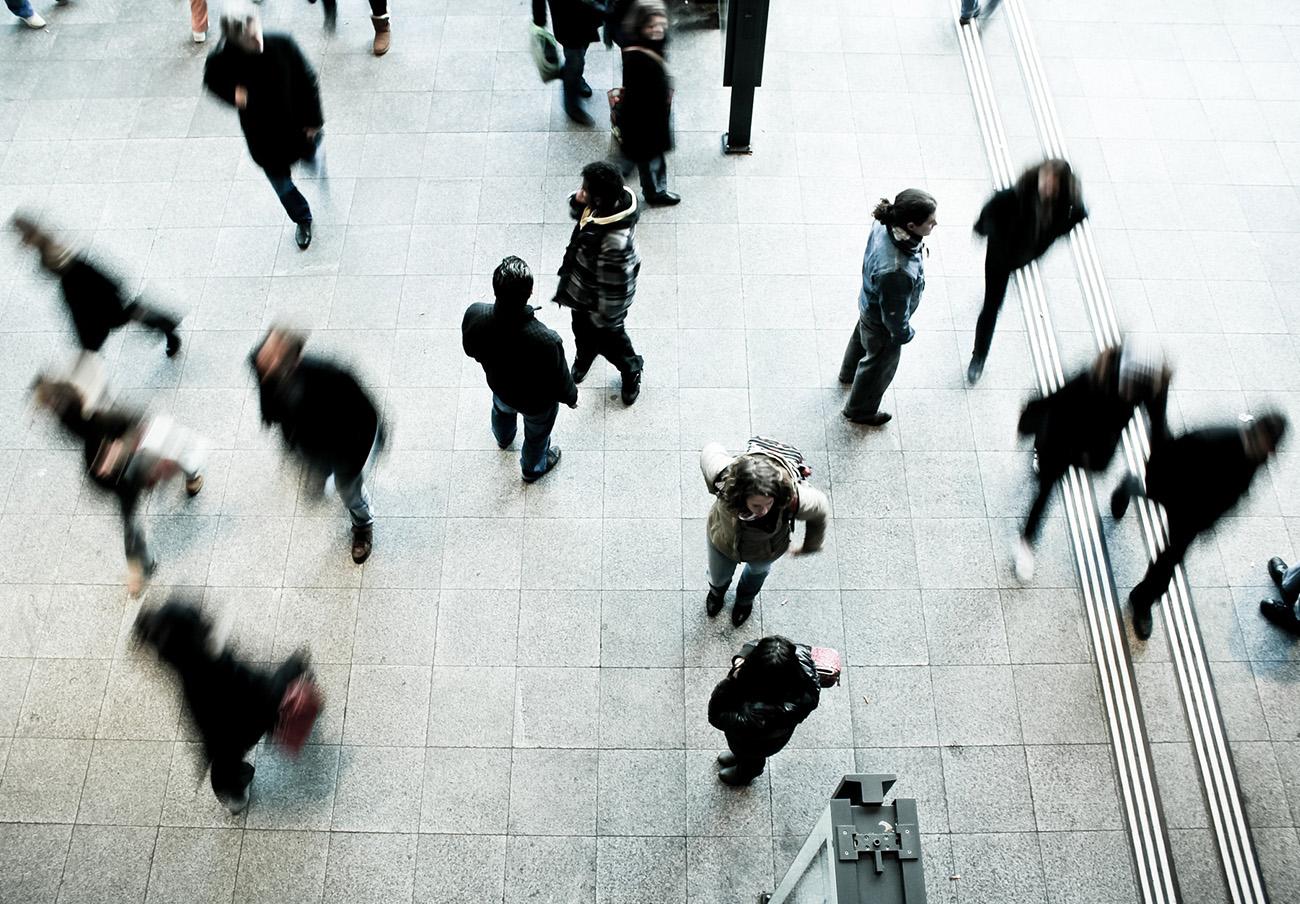 """Censura lingüística: La Junta insta a FACUA a no hablar de """"consumidores"""" sino de """"personas consumidoras"""""""