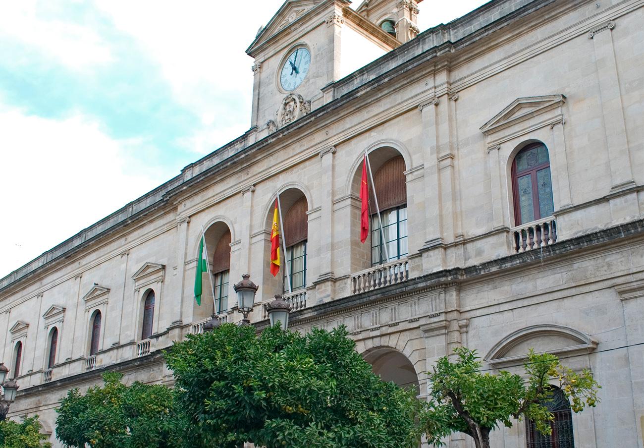 FACUA Sevilla critica que el Consistorio devuelva a la Junta un 47% de las ayudas a familias sin recursos