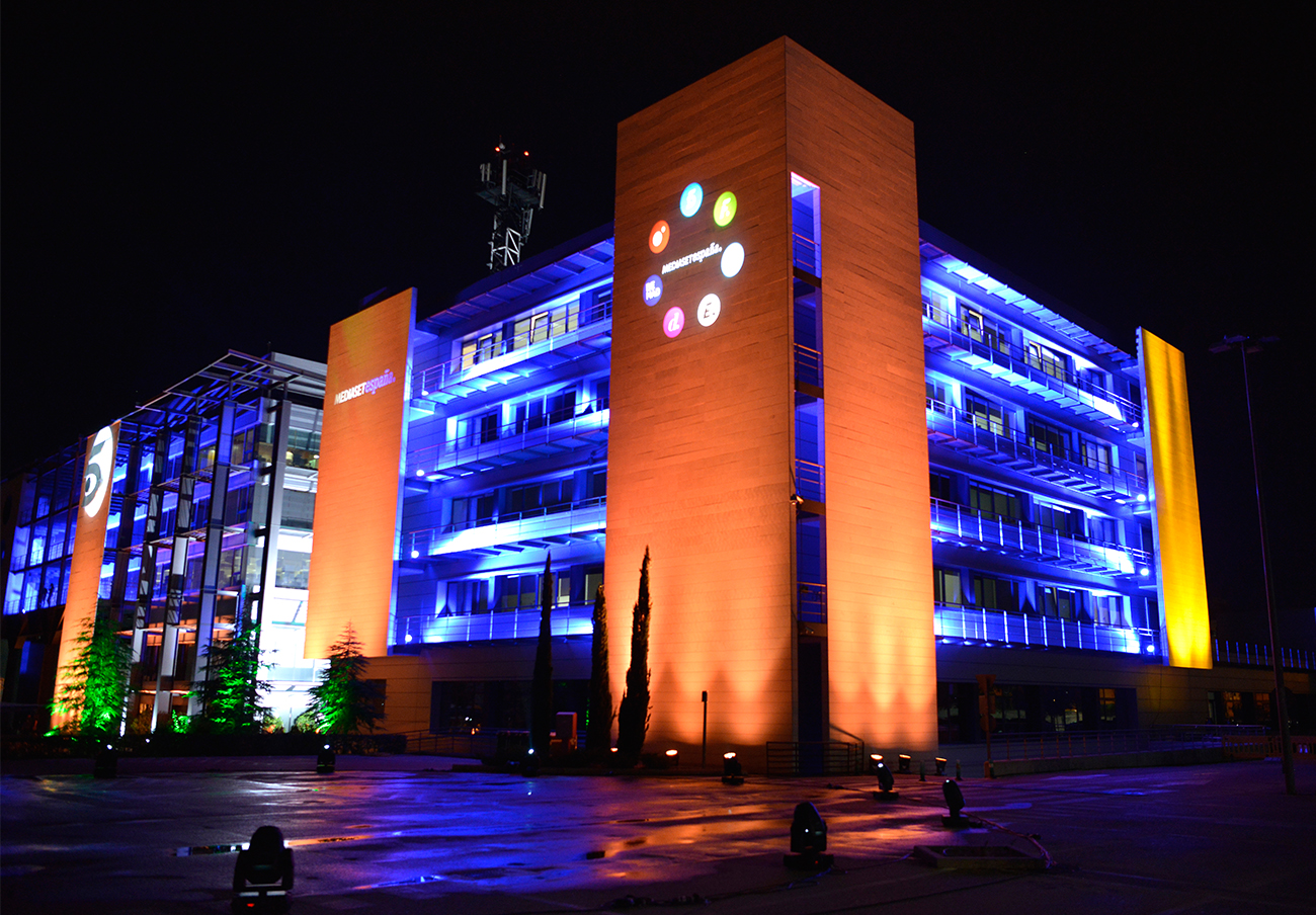 La CNMC sanciona con 36.000 euros a Mediaset por extralimitarse en el tiempo de emisión de publicidad