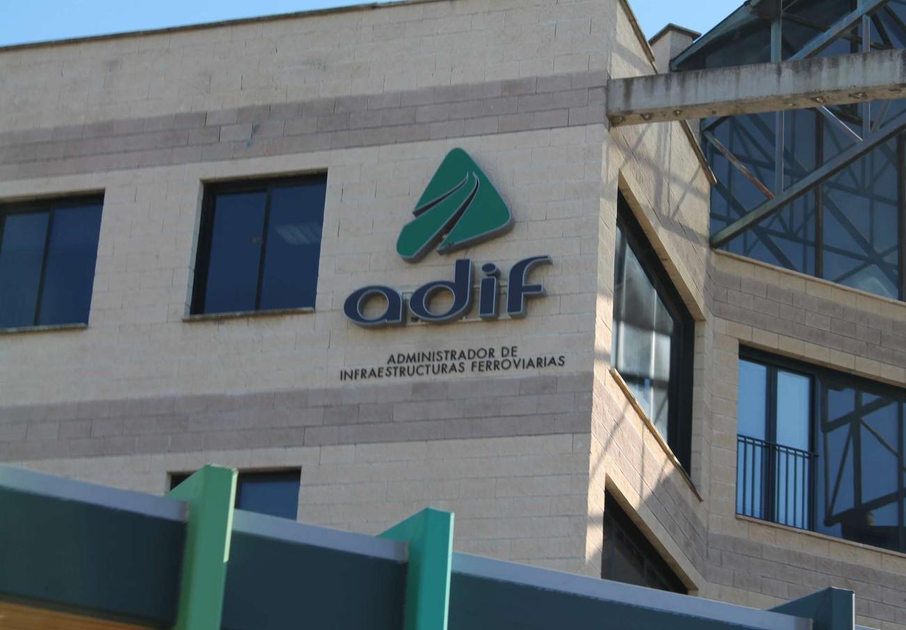 Adif multará con un 10% del valor del contrato a las adjudicatarias que pacten precios