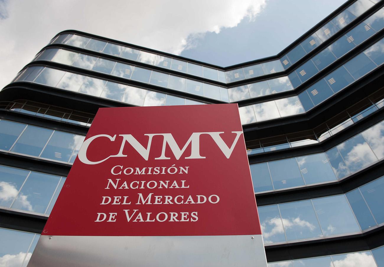 La CNMV advierte de cinco 'chiringuitos financieros' en Luxemburgo y Reino Unido