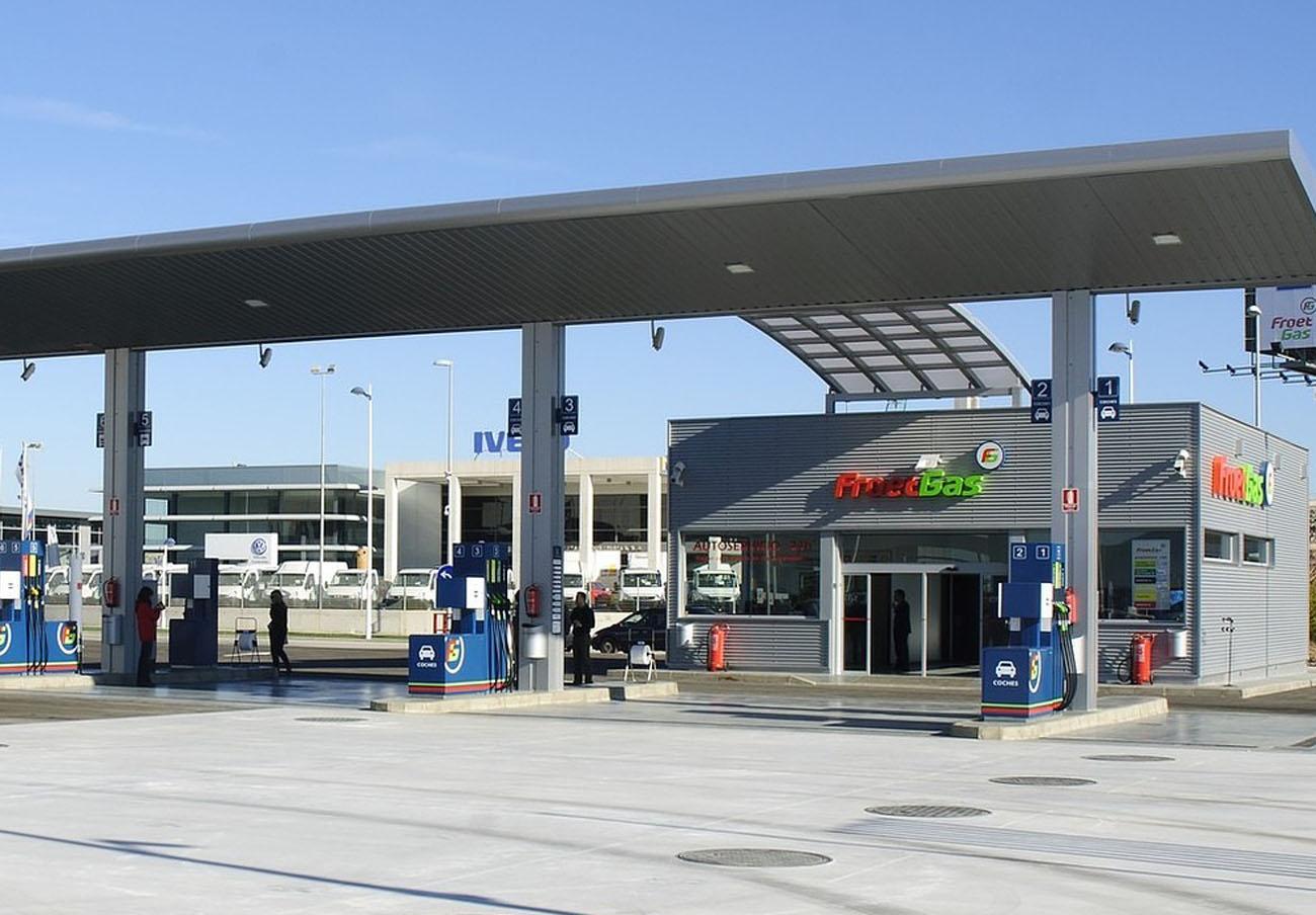 FACUA rechaza la multa de la UE a las regiones que obliguen a las gasolineras a tener trabajadores