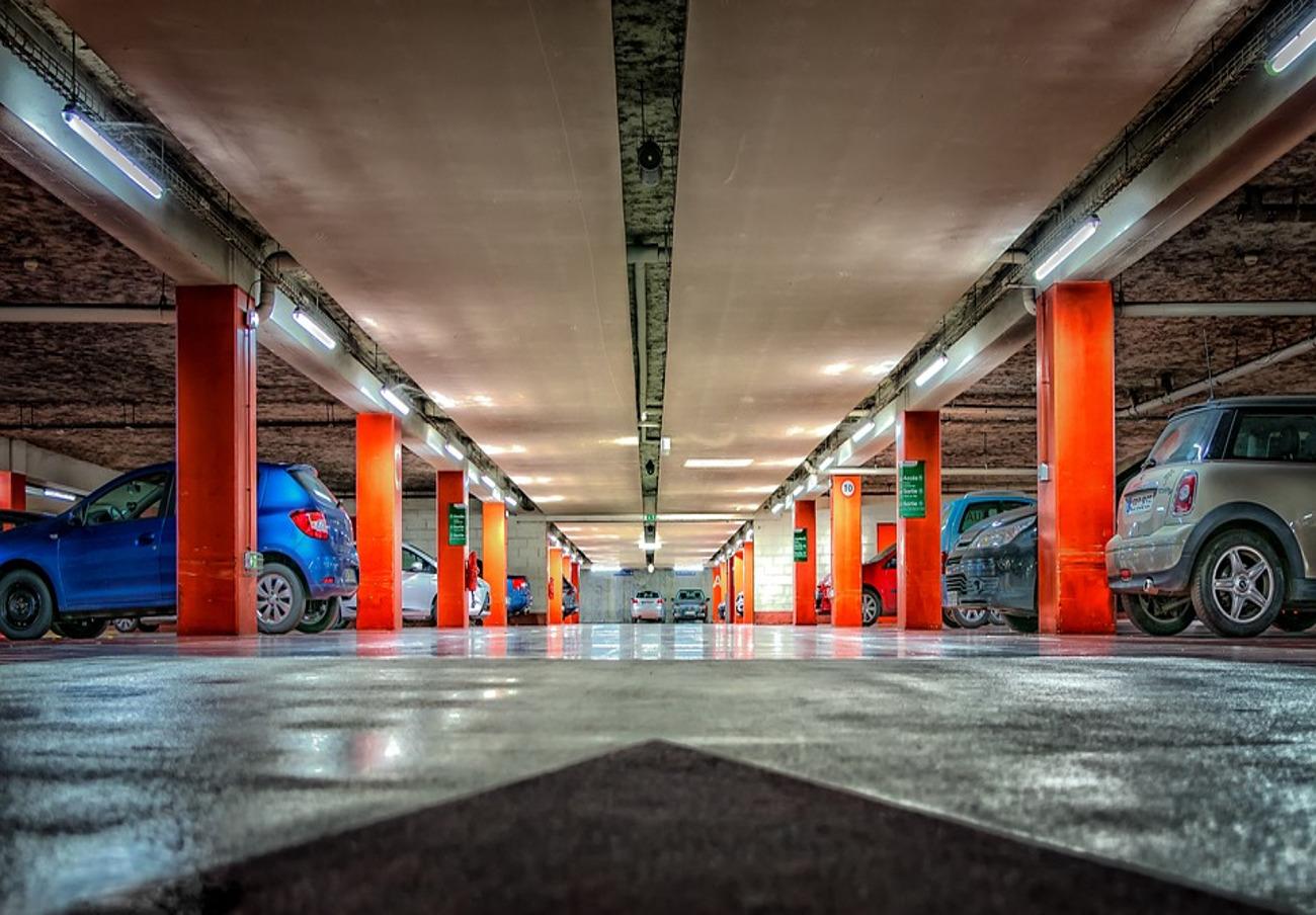 El Ayuntamiento de Sevilla aprueba una subida de tarifas para cinco aparcamientos subterráneos