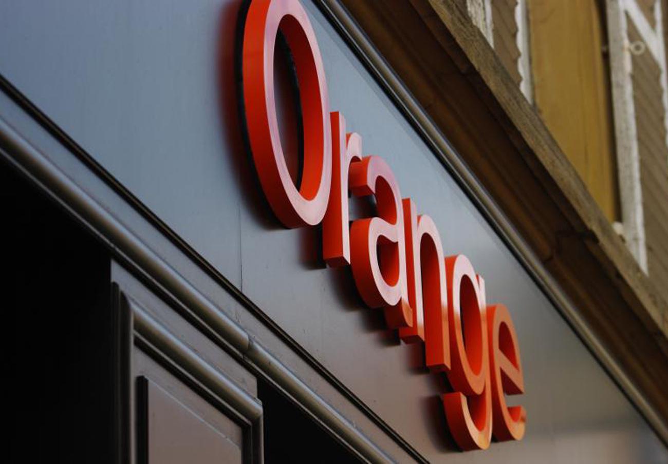 """Un juzgado de A Coruña estima """"abusivas"""" las facturas mensuales que Orange cargó a clientes que se dieron de baja"""