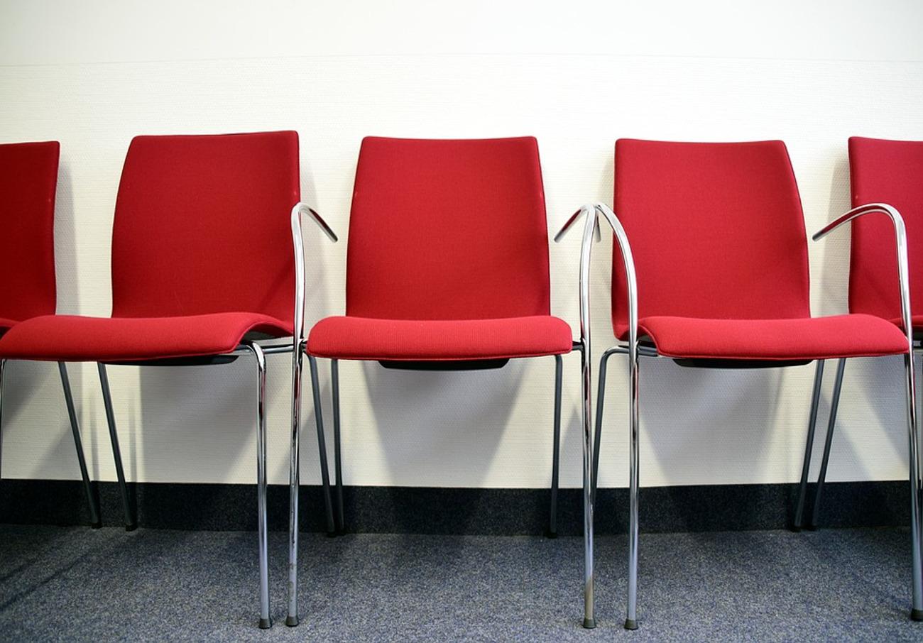 Tras la reclamación de FACUA, el centro médico de Tineo (Asturias) dispondrá de una sala de espera