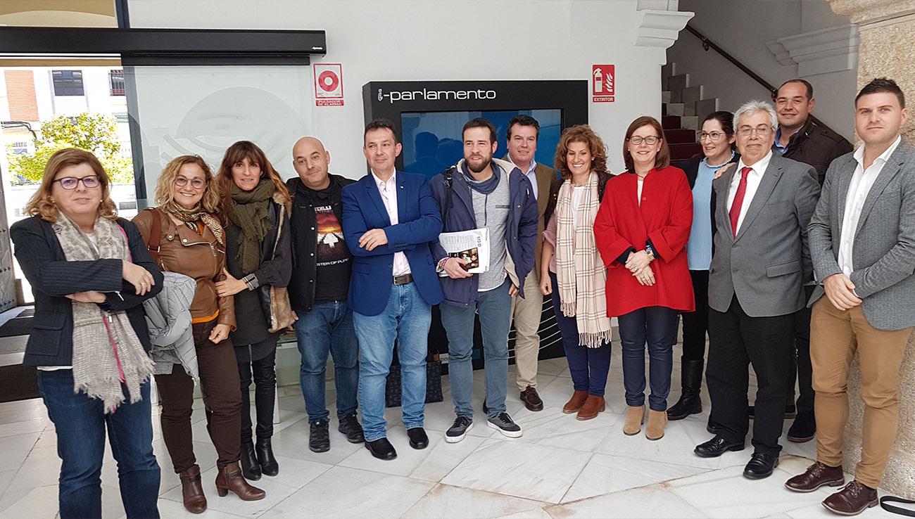 FACUA comparece en la Asamblea de Extremadura por las deficiencias del servicio de ambulancias