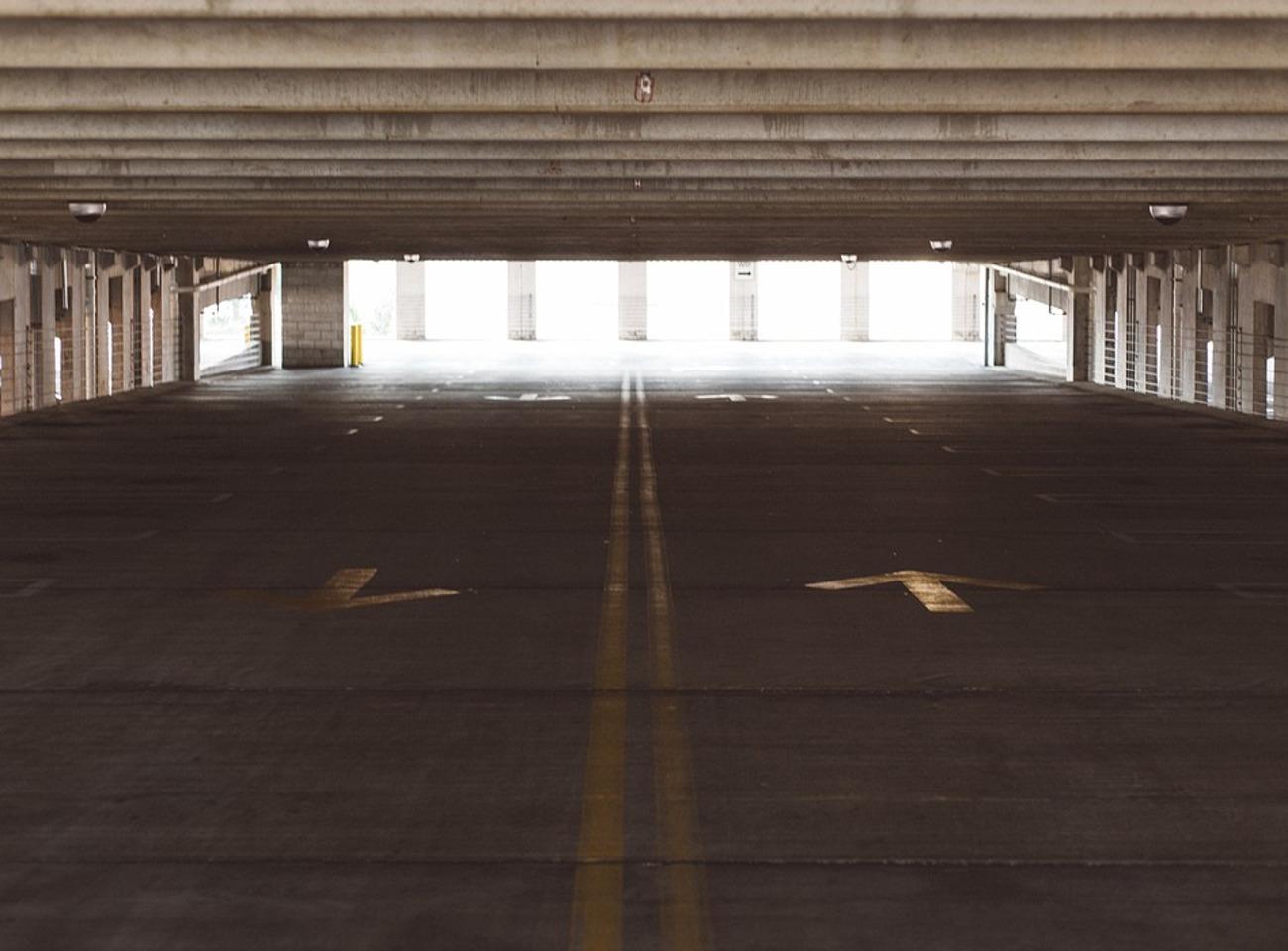 FACUA reclama a Empark que arregle la barrera del aparcamiento del aeropuerto de San Sebastián